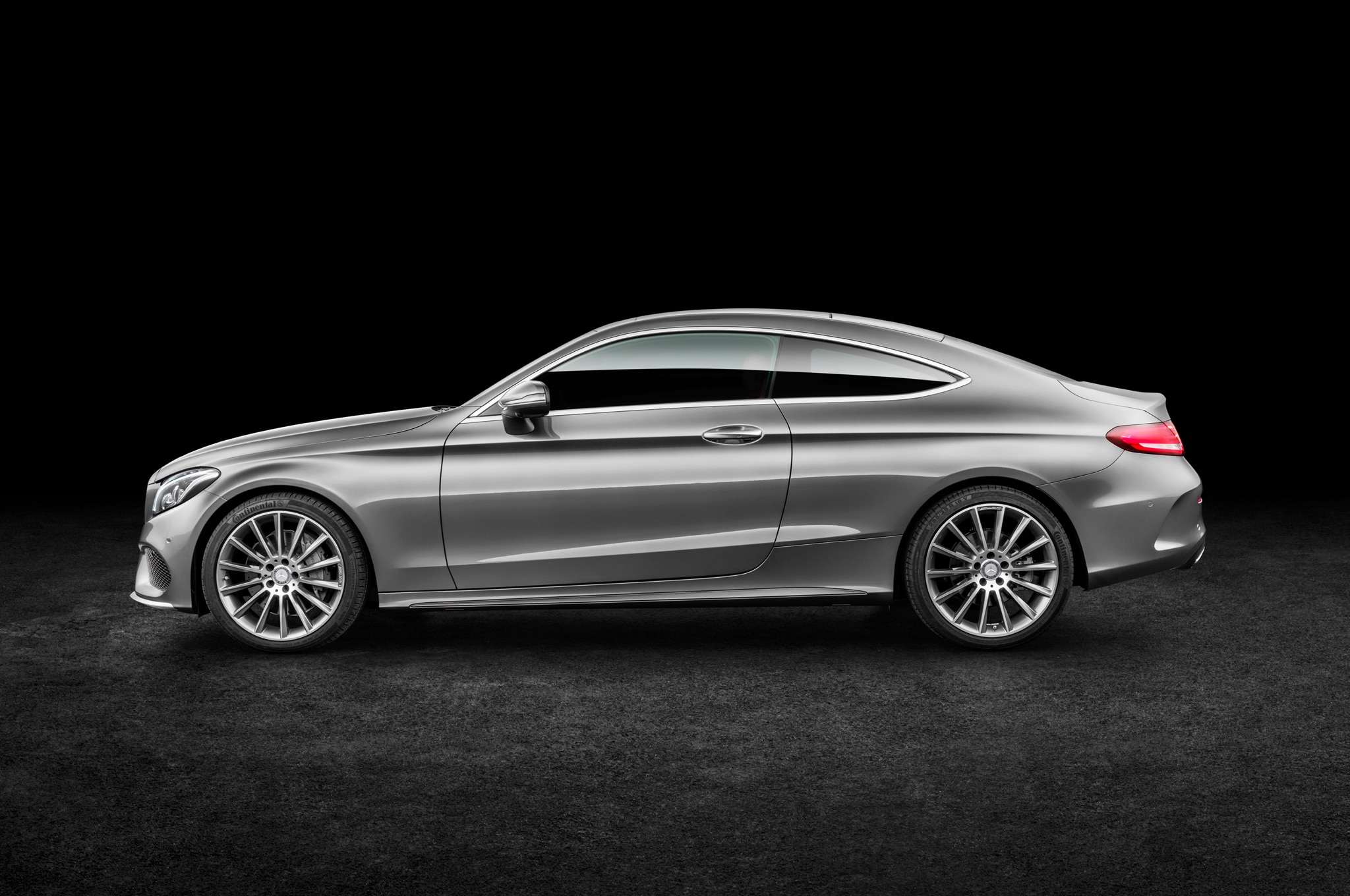 2017 mercedes benz c300 coupe debuts with fabulous two door design. Black Bedroom Furniture Sets. Home Design Ideas