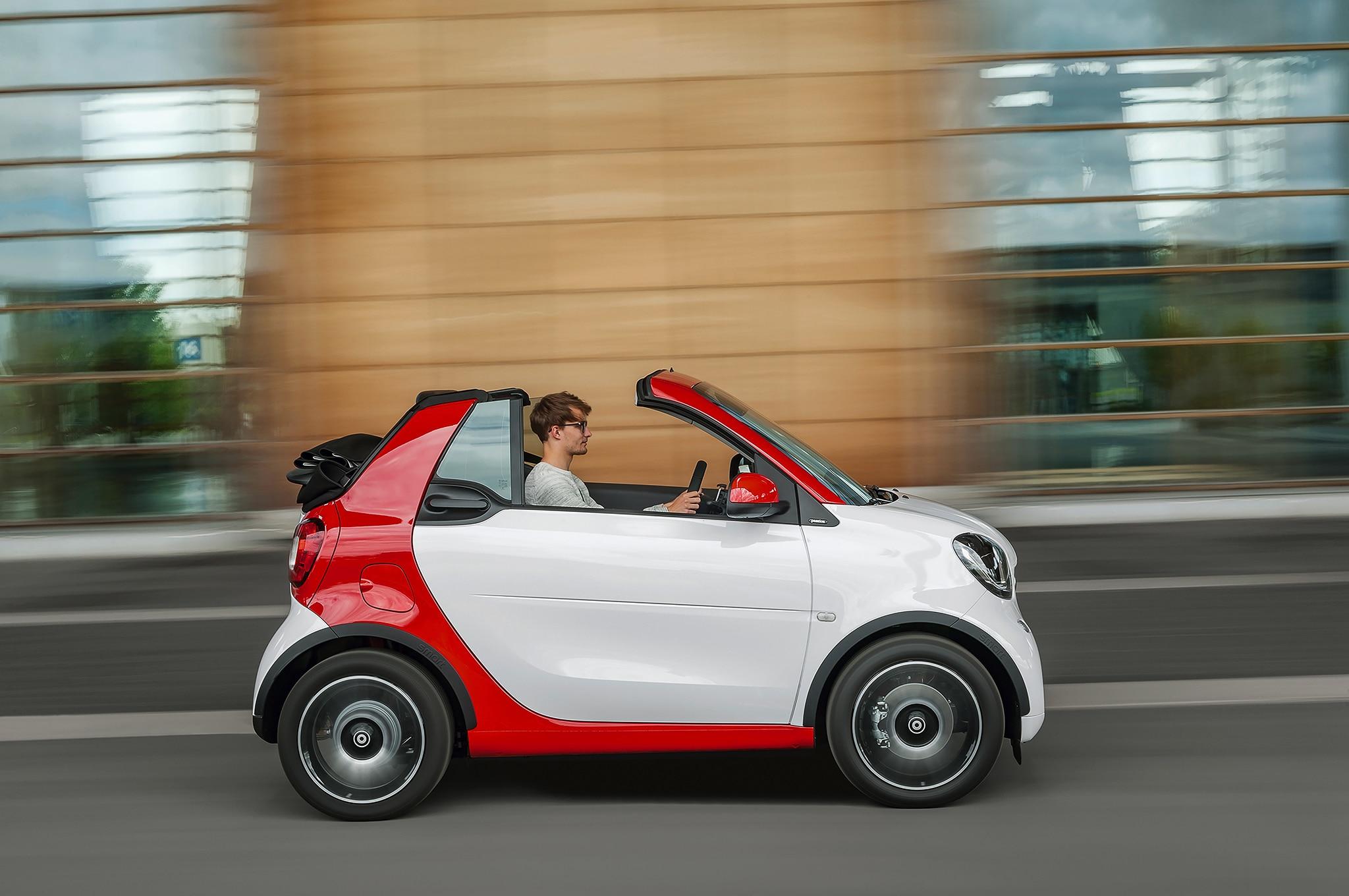 2017 smart fortwo cabriolet revealed ahead of frankfurt debut. Black Bedroom Furniture Sets. Home Design Ideas