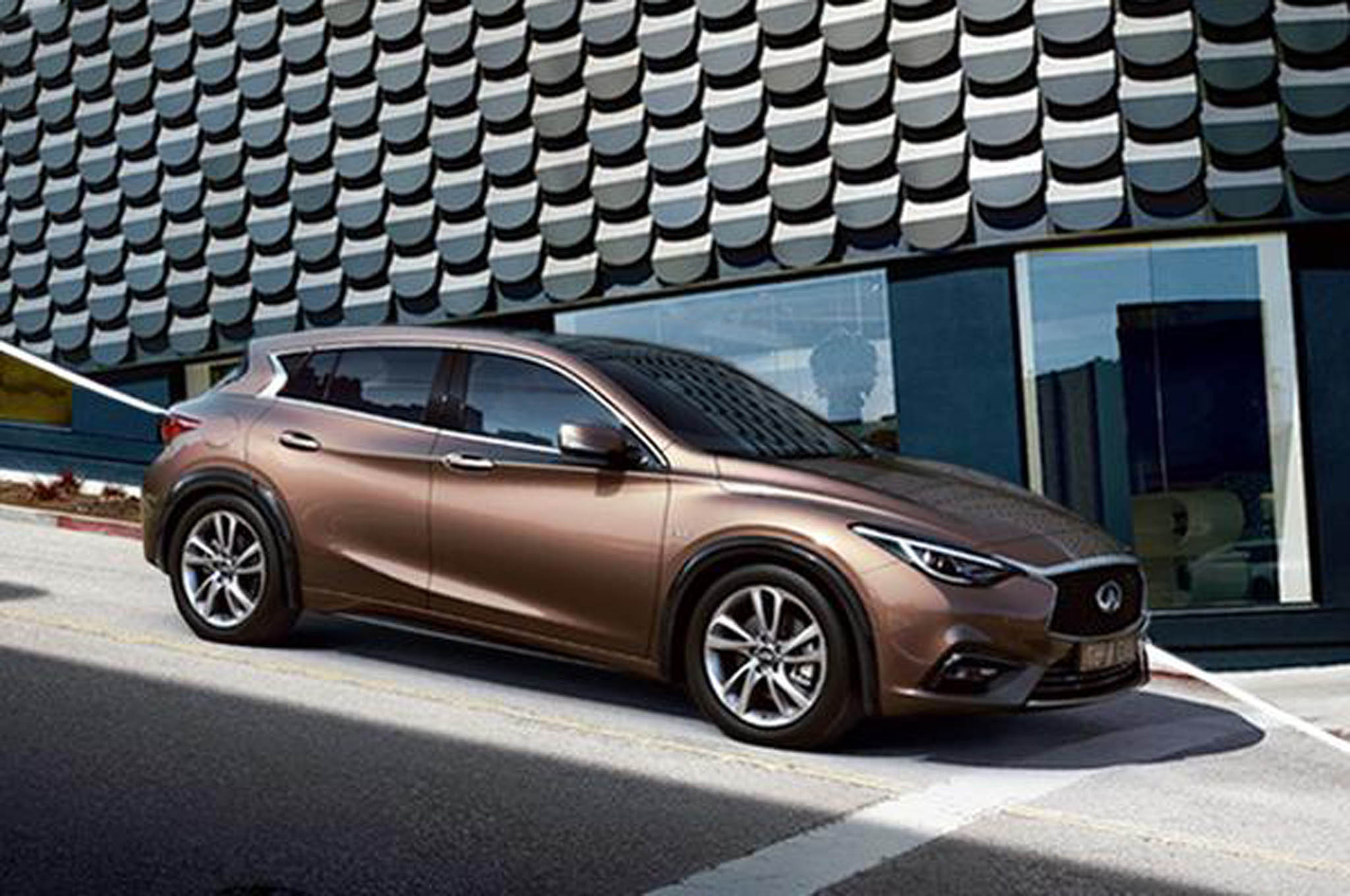 2017 infiniti q30 interior sports numerous mercedes benz touches. Black Bedroom Furniture Sets. Home Design Ideas