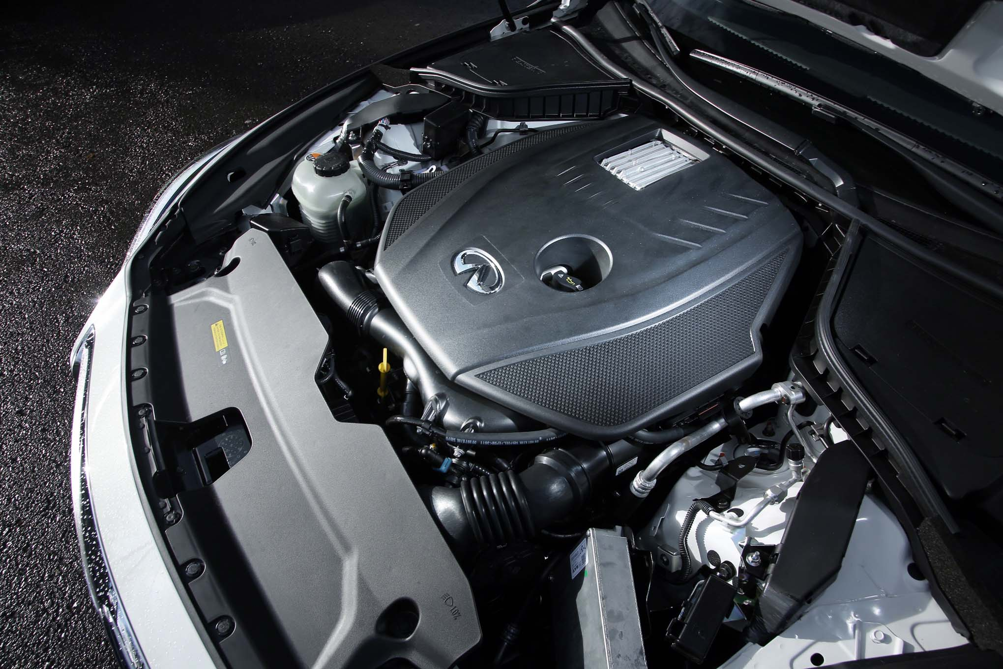 2016 Infiniti Q50 Adds 20   liter    TurboFour    Engine    for US