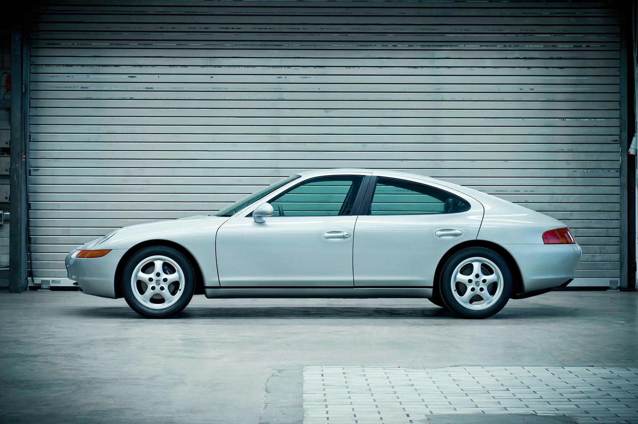 Porsche 989 concept.