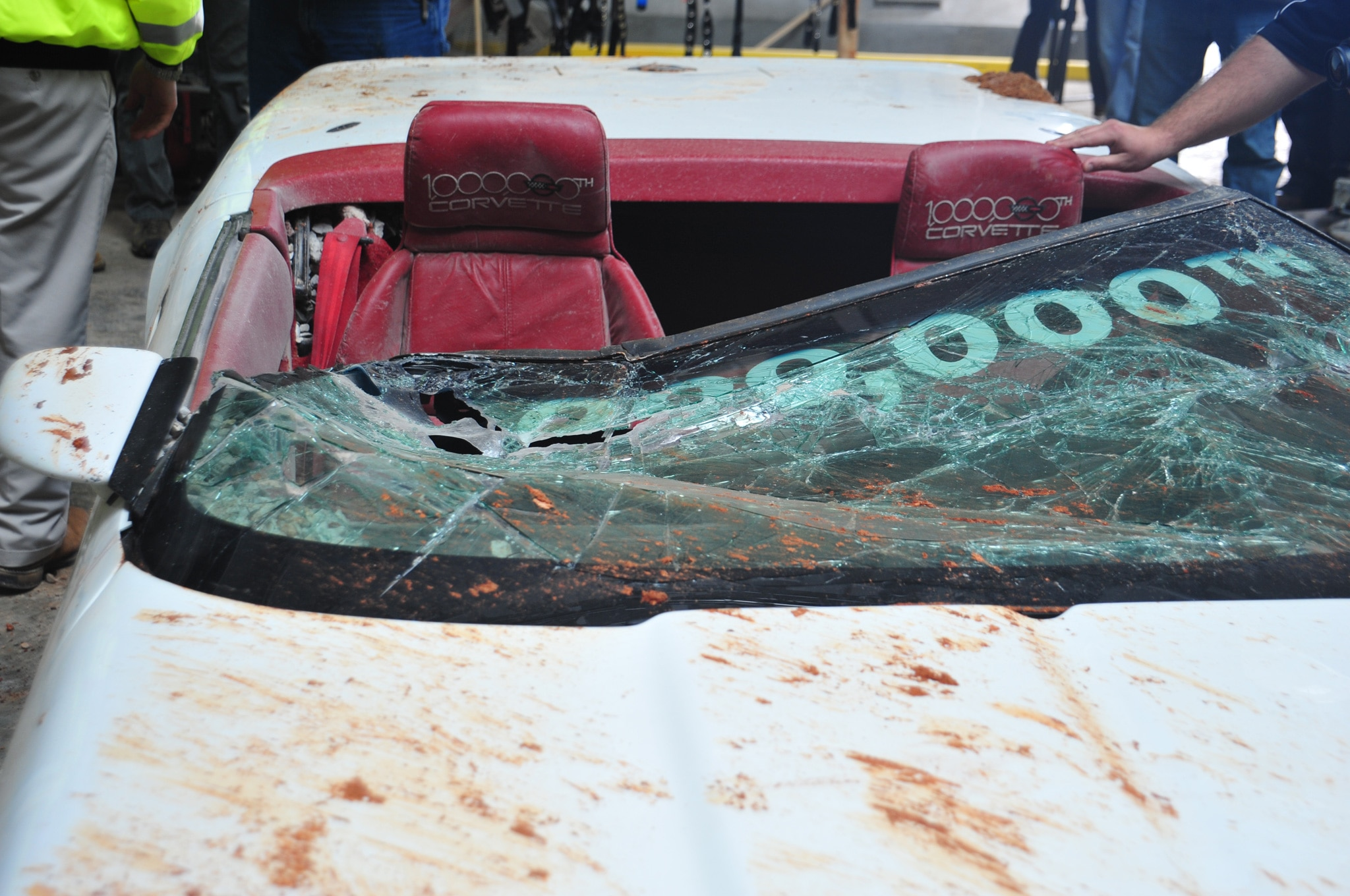 National Corvette Museum >> GM Finishes Restoration of 1992 Chevrolet Corvette Damaged by Sinkhole