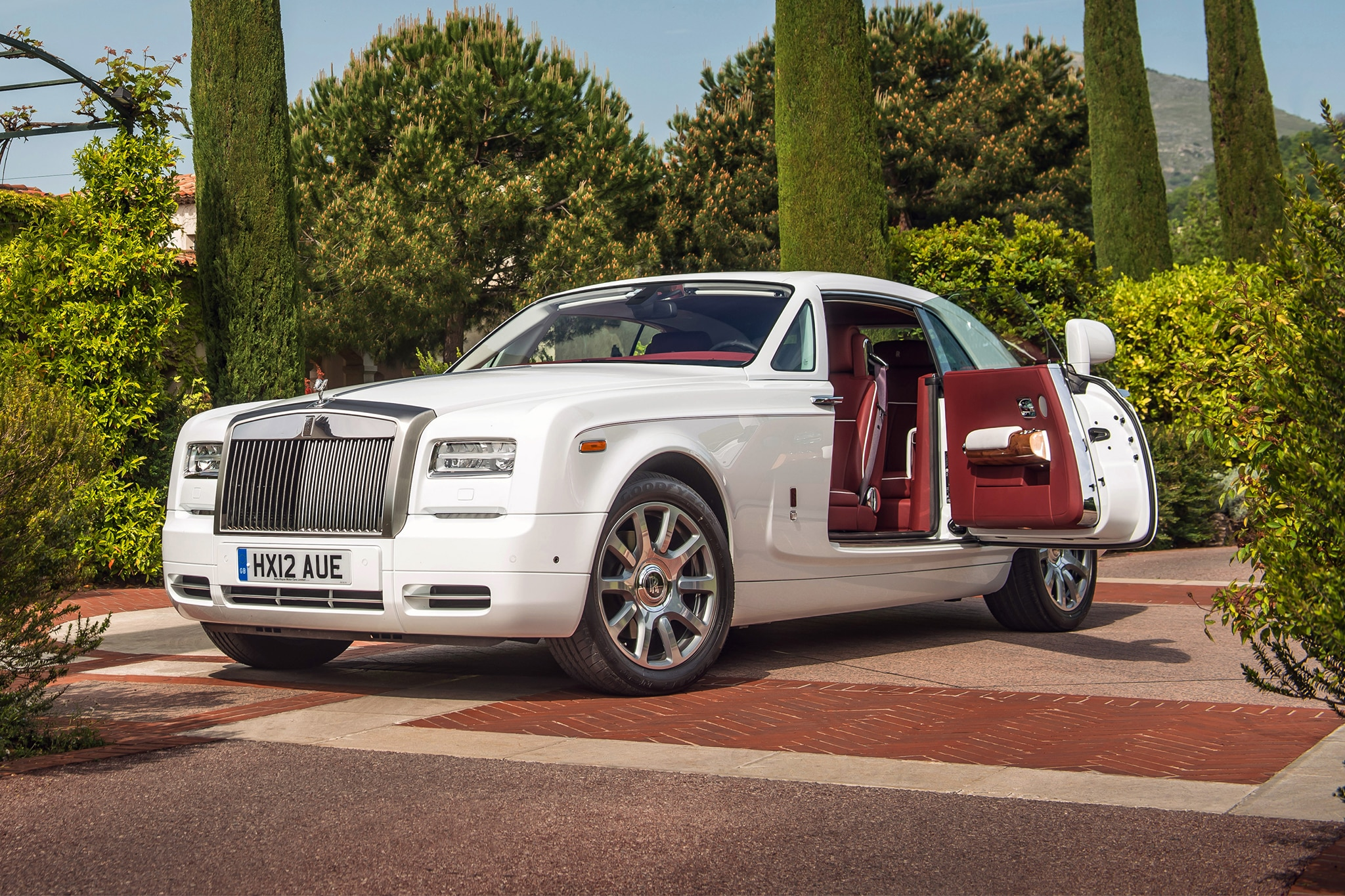 rolls royce phantom ends production this year replacement. Black Bedroom Furniture Sets. Home Design Ideas