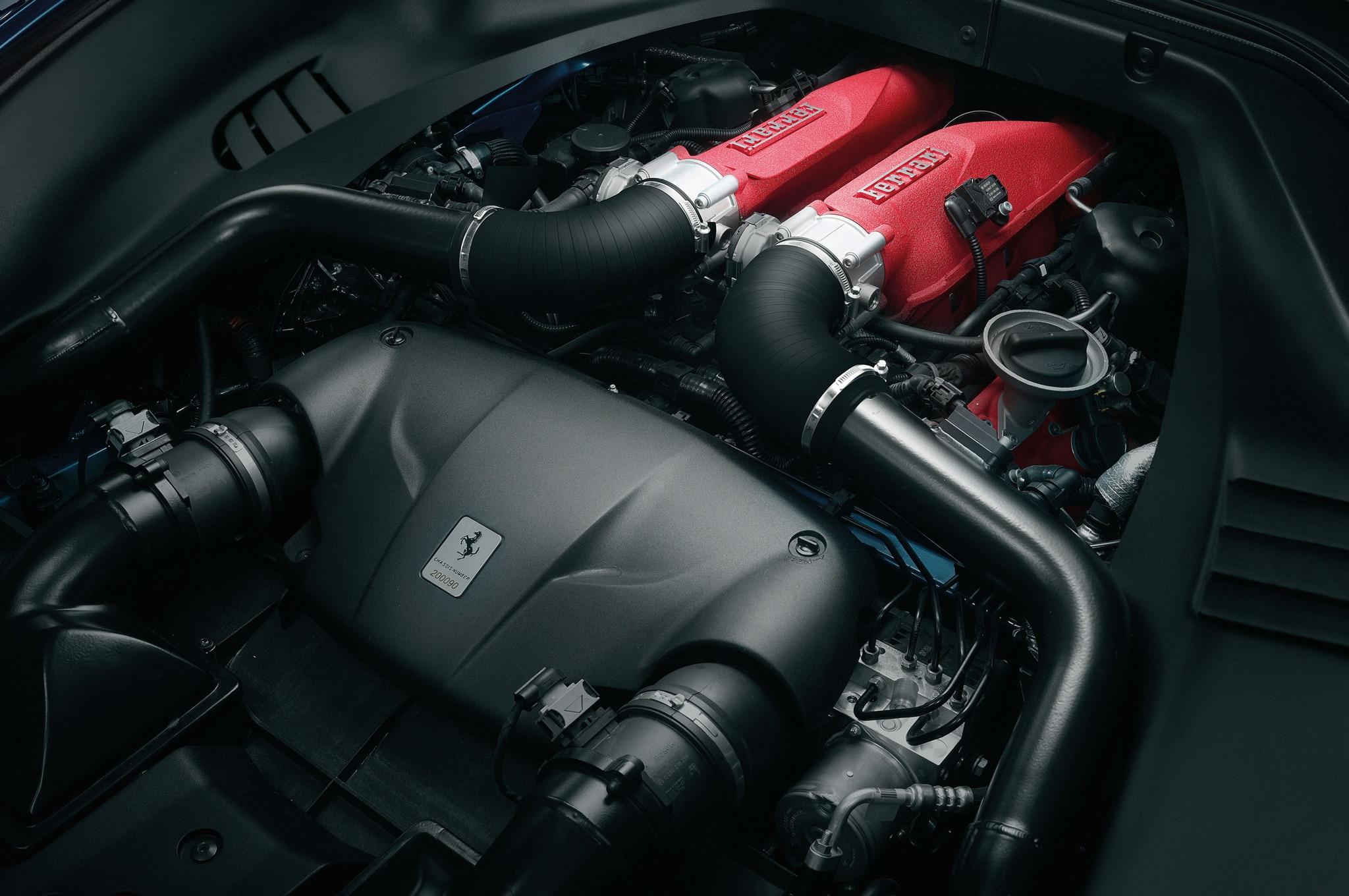 2015 Ferrari California T Engine 2