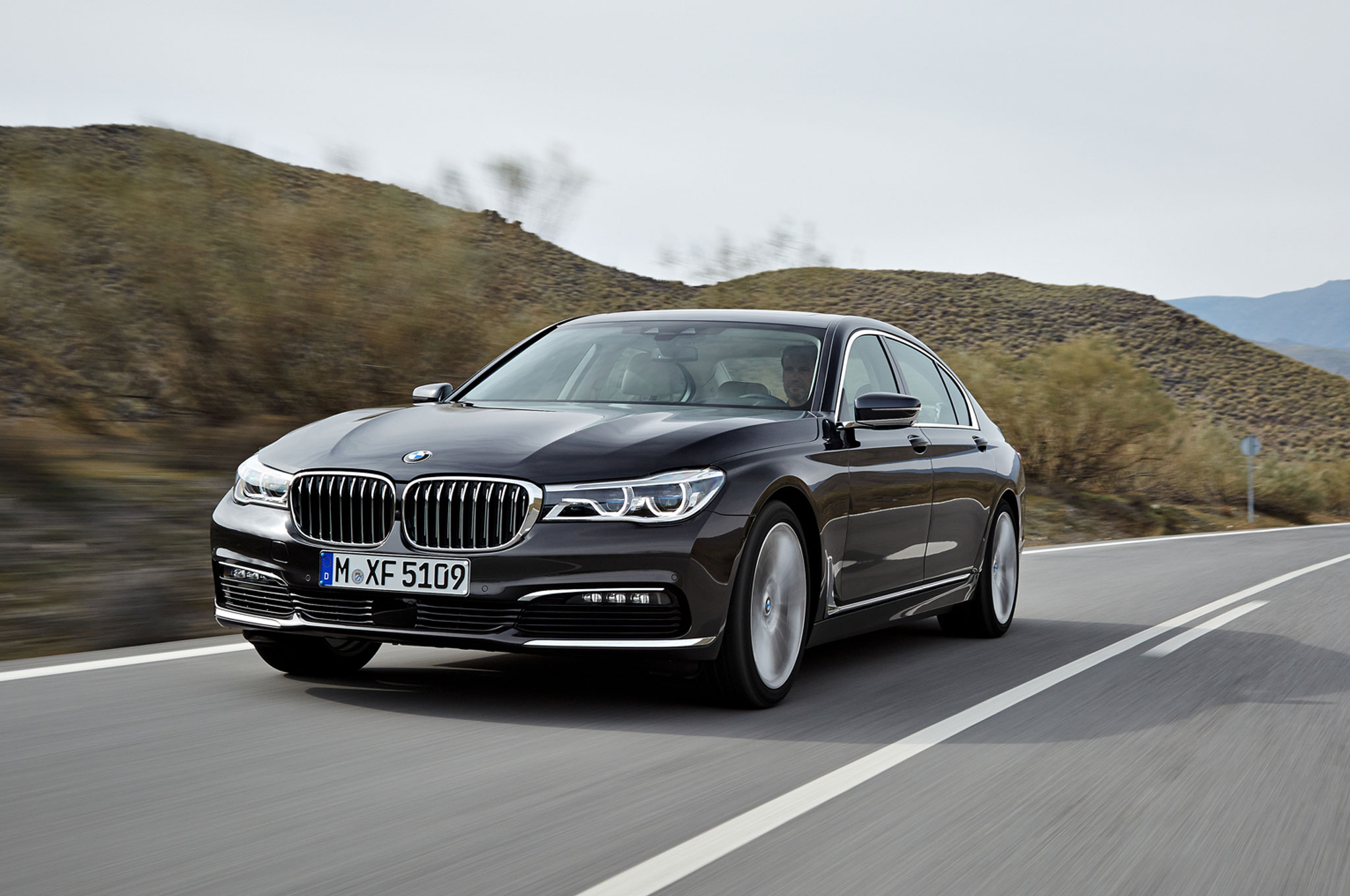 2016 BMW 750Li XDrive Lead