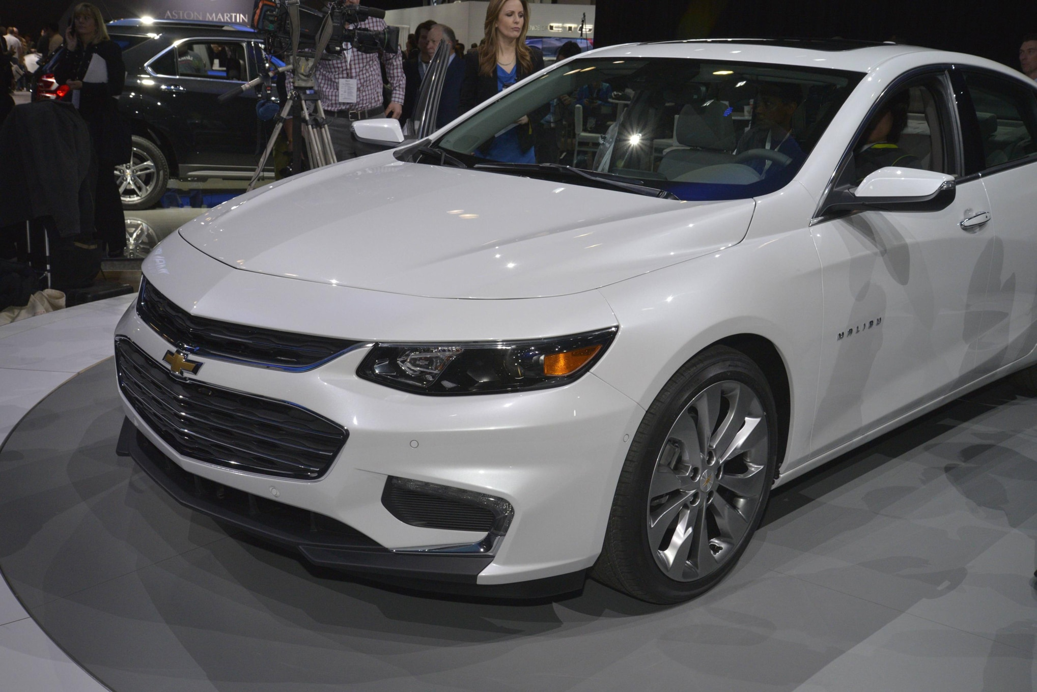 all new 2016 chevrolet malibu slashes price to 22 500. Black Bedroom Furniture Sets. Home Design Ideas