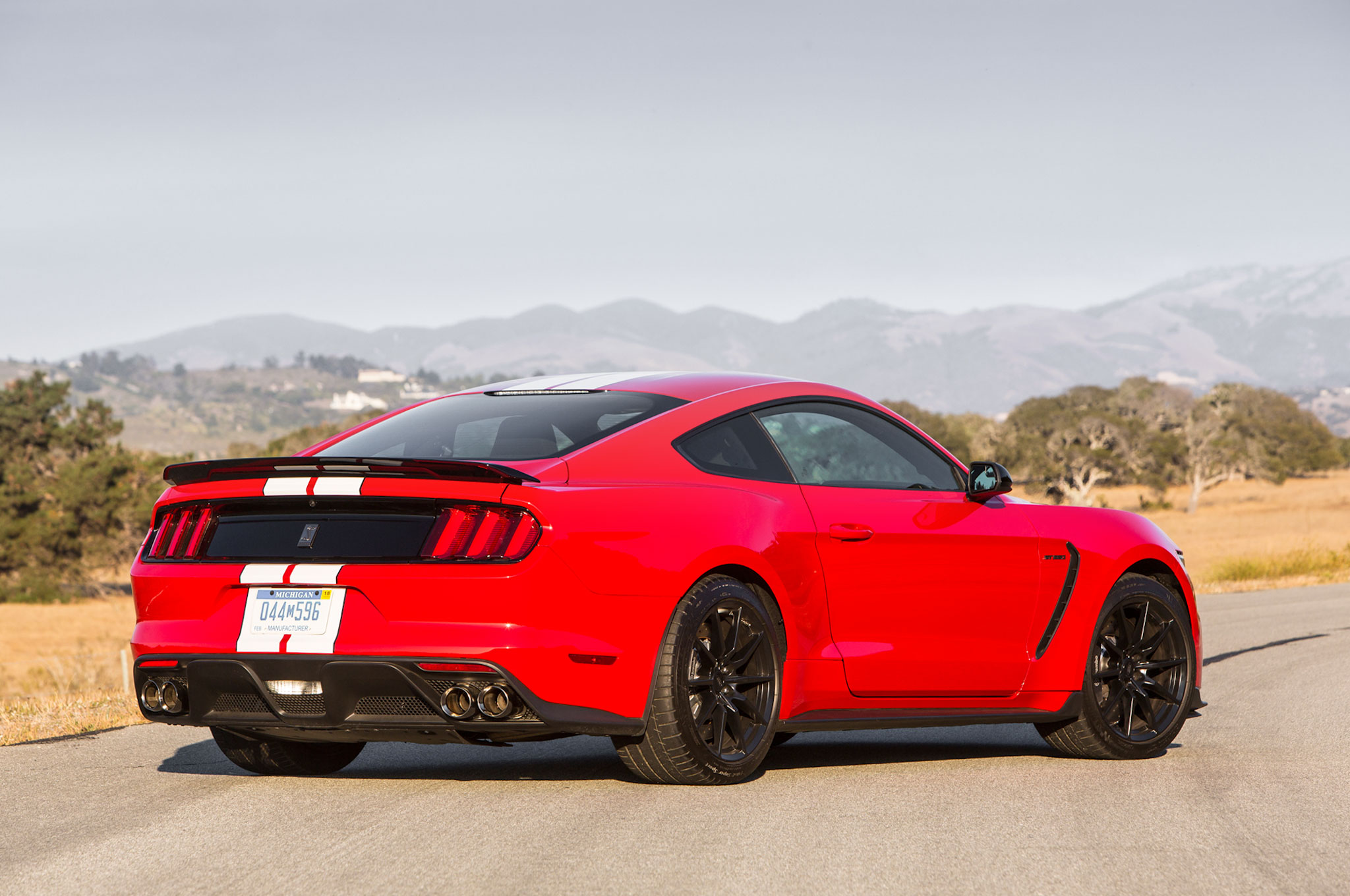 2016 ford shelby gt350 mustang review. Black Bedroom Furniture Sets. Home Design Ideas