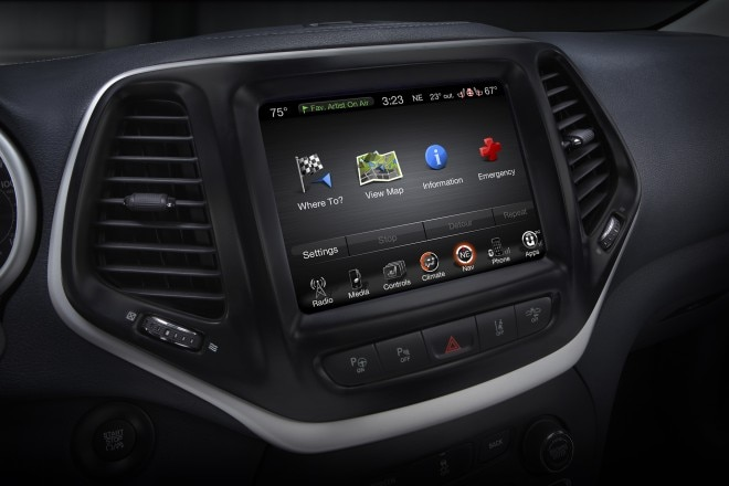 2016 Jeep Cherokee Limited center stack