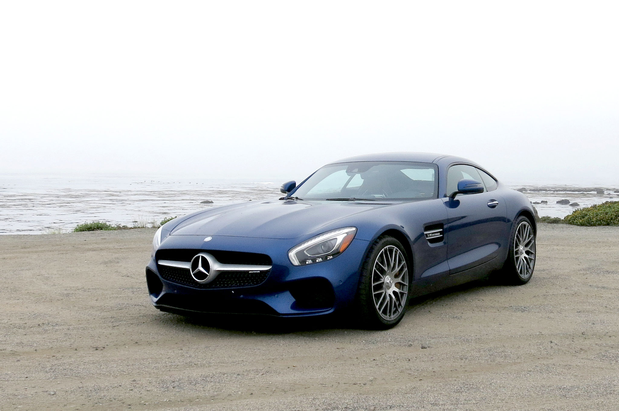 2016 Mercedes AMG GT S Front Three Quarter 02