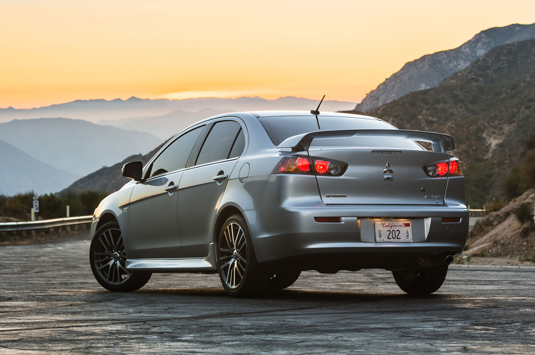 2016 mitsubishi lancer gets new look drops ralliart turbo. Black Bedroom Furniture Sets. Home Design Ideas