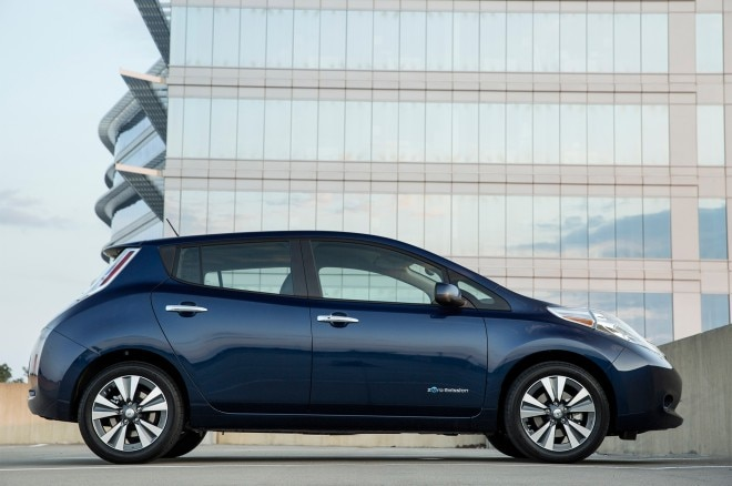 2016 Nissan Leaf Side Profile 660x438