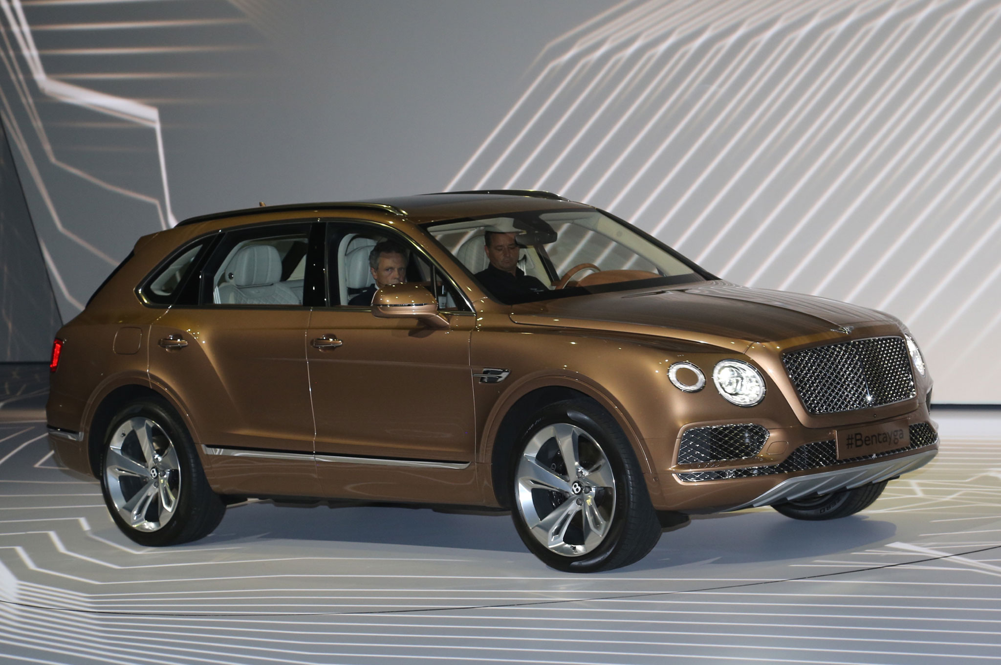 2017 bentley bentayga suv revealed ahead of frankfurt. Black Bedroom Furniture Sets. Home Design Ideas