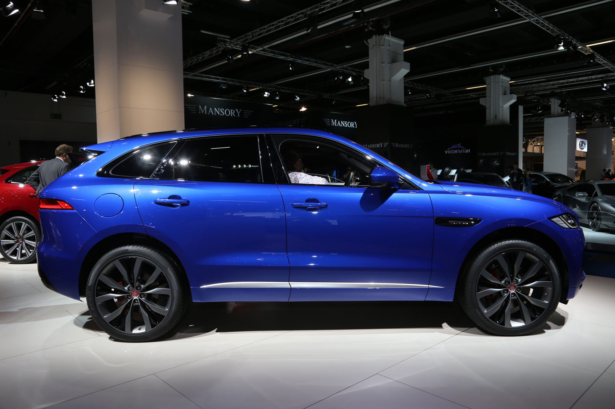 2017 jaguar f pace online configurator confirms u s lineup pricing. Black Bedroom Furniture Sets. Home Design Ideas