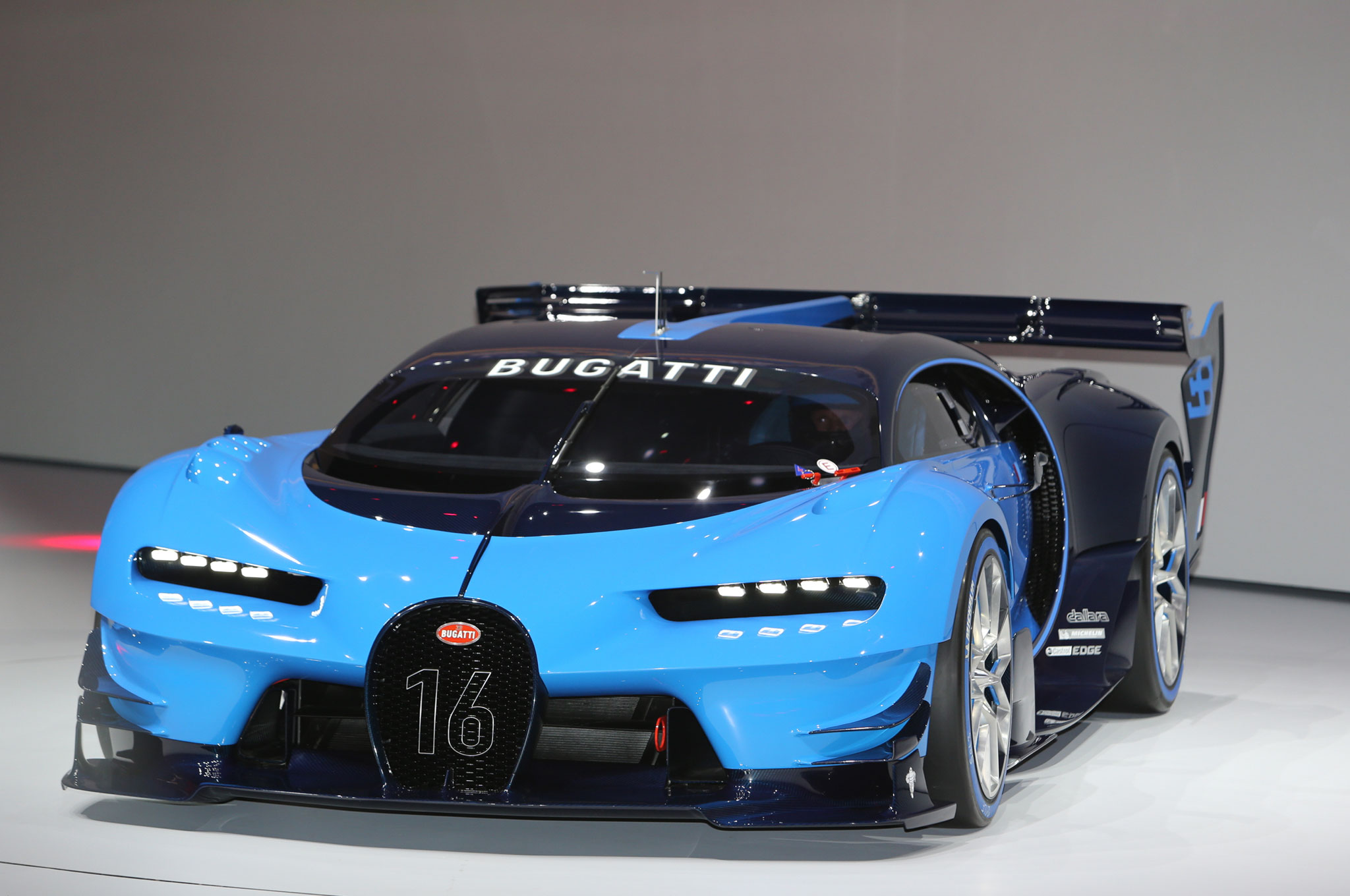 bugatti vision gran turismo concept pays homage to le mans racers. Black Bedroom Furniture Sets. Home Design Ideas