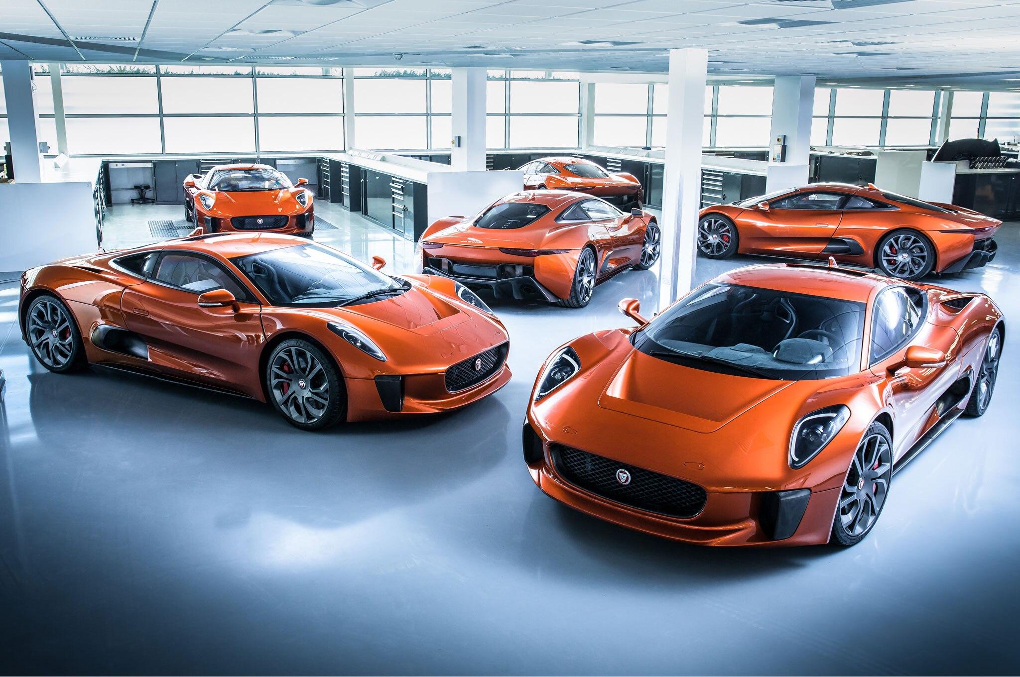 Jaguar C Plays Bad Guy To James Bond S Aston Martin In Spectre