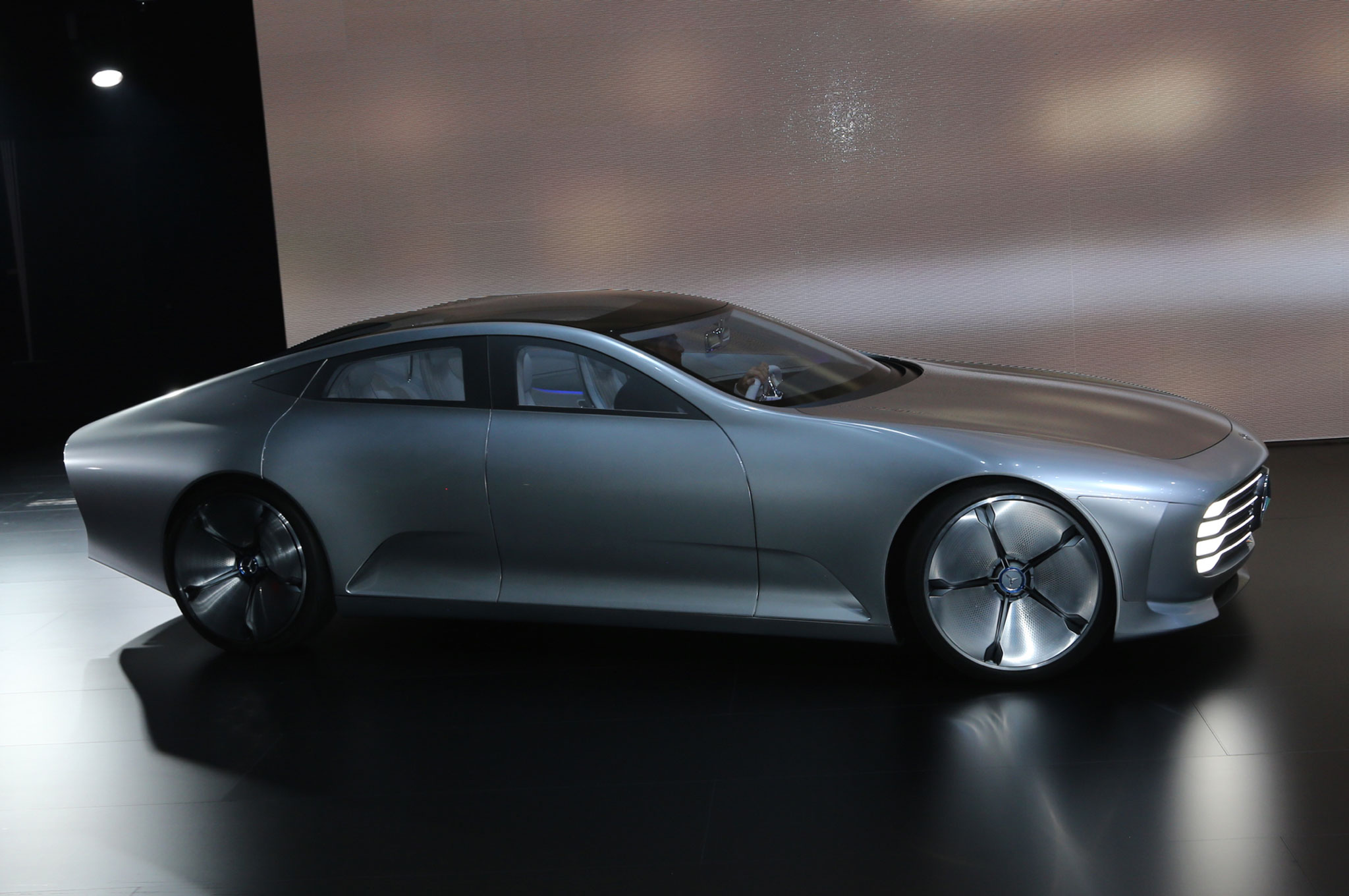 Mercedes benz concept iaa is a study in aerodynamics for Mercedes benz concept
