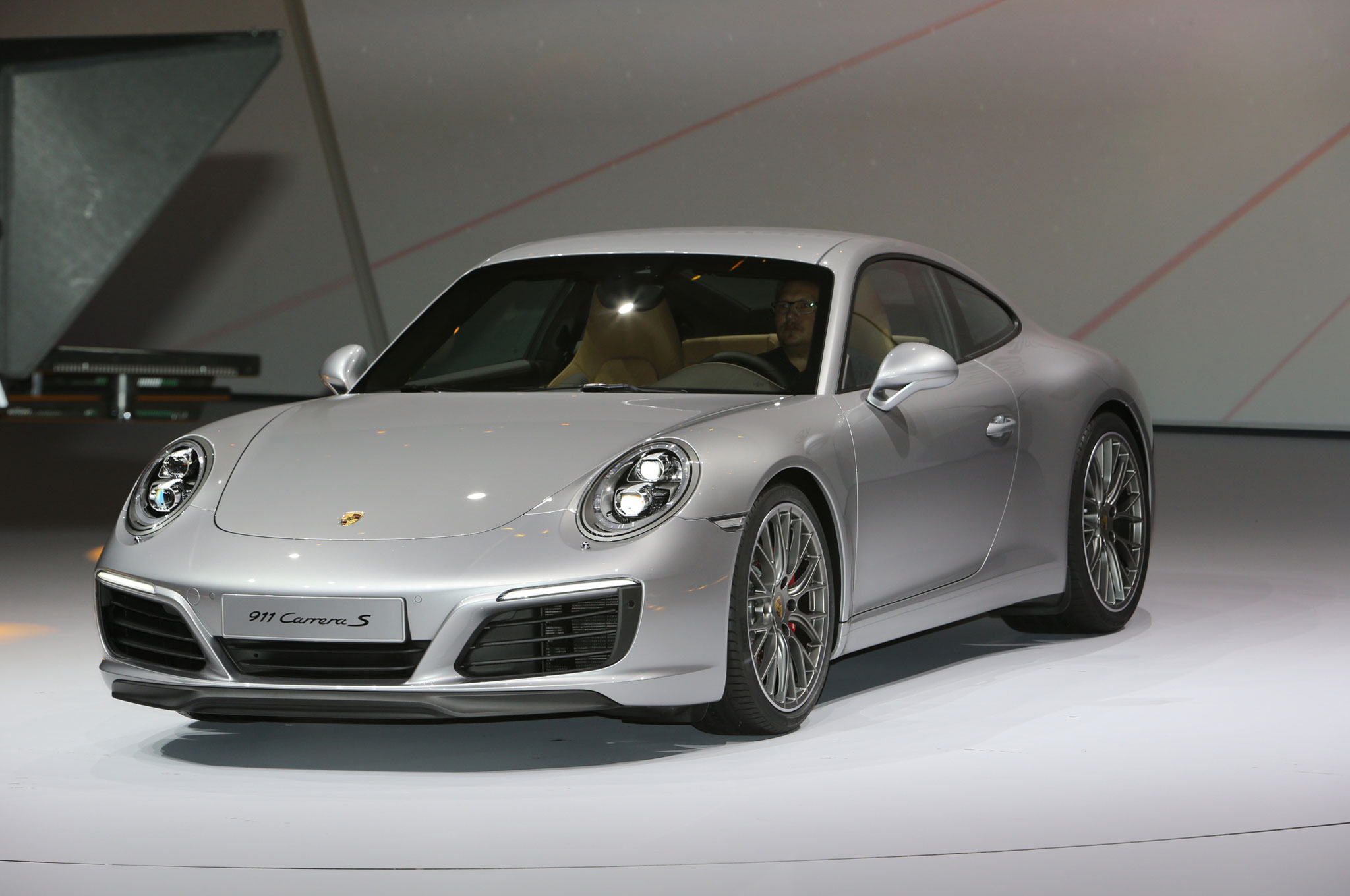 Porsche 911 Carrera S Front Three Quarter1
