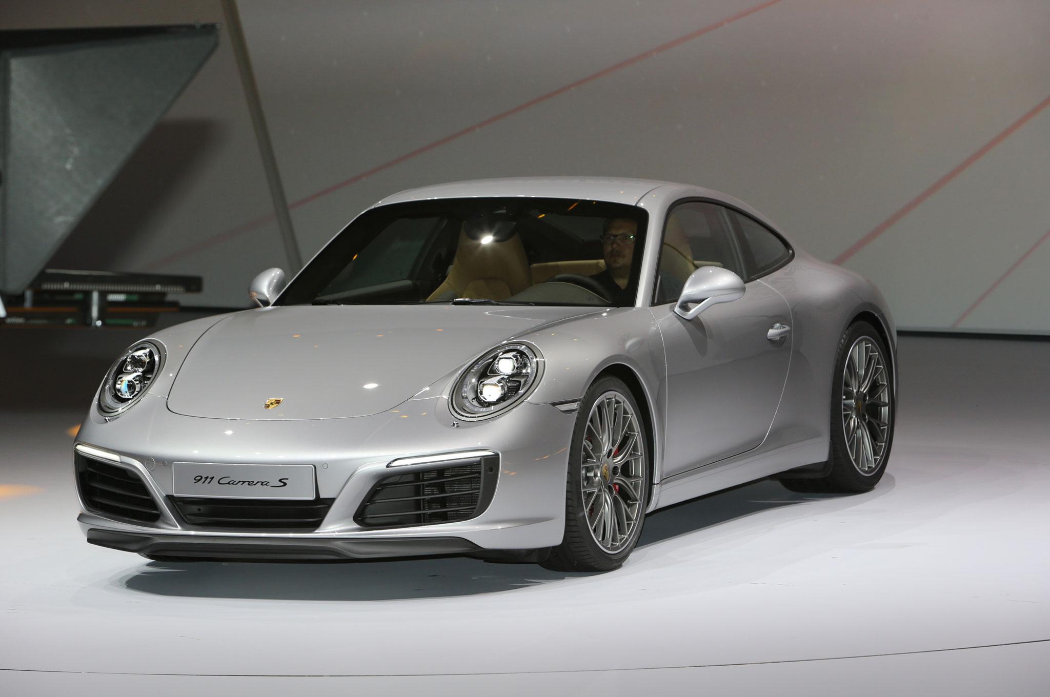 Porsche 911 Carrera S Front Three Quarter1