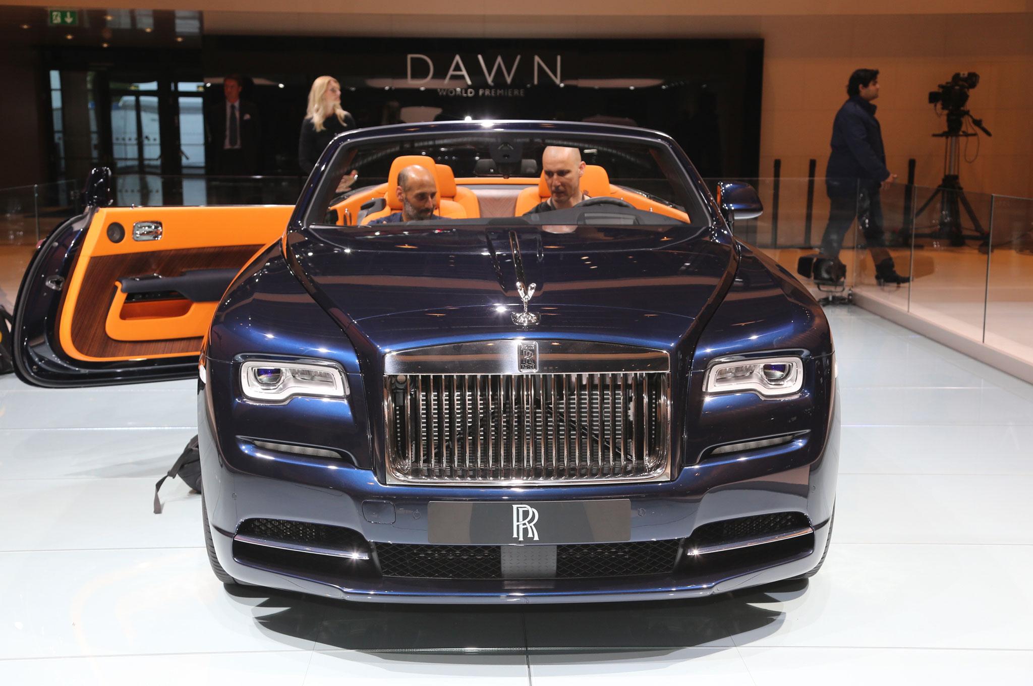 2017 Rolls Royce Dawn Brings Open Top Ultra Luxury To