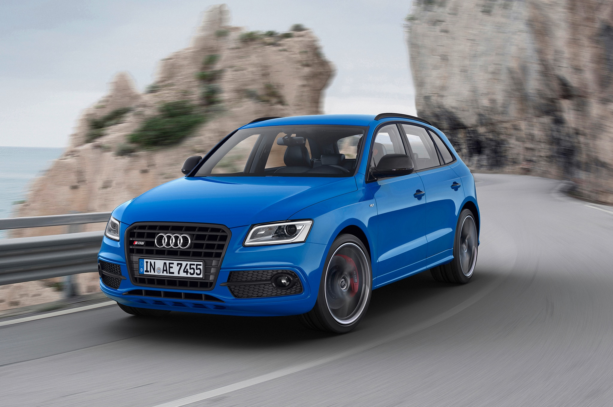 audi sq5 tdi plus unveiled in europe with 516 lb ft of torque. Black Bedroom Furniture Sets. Home Design Ideas