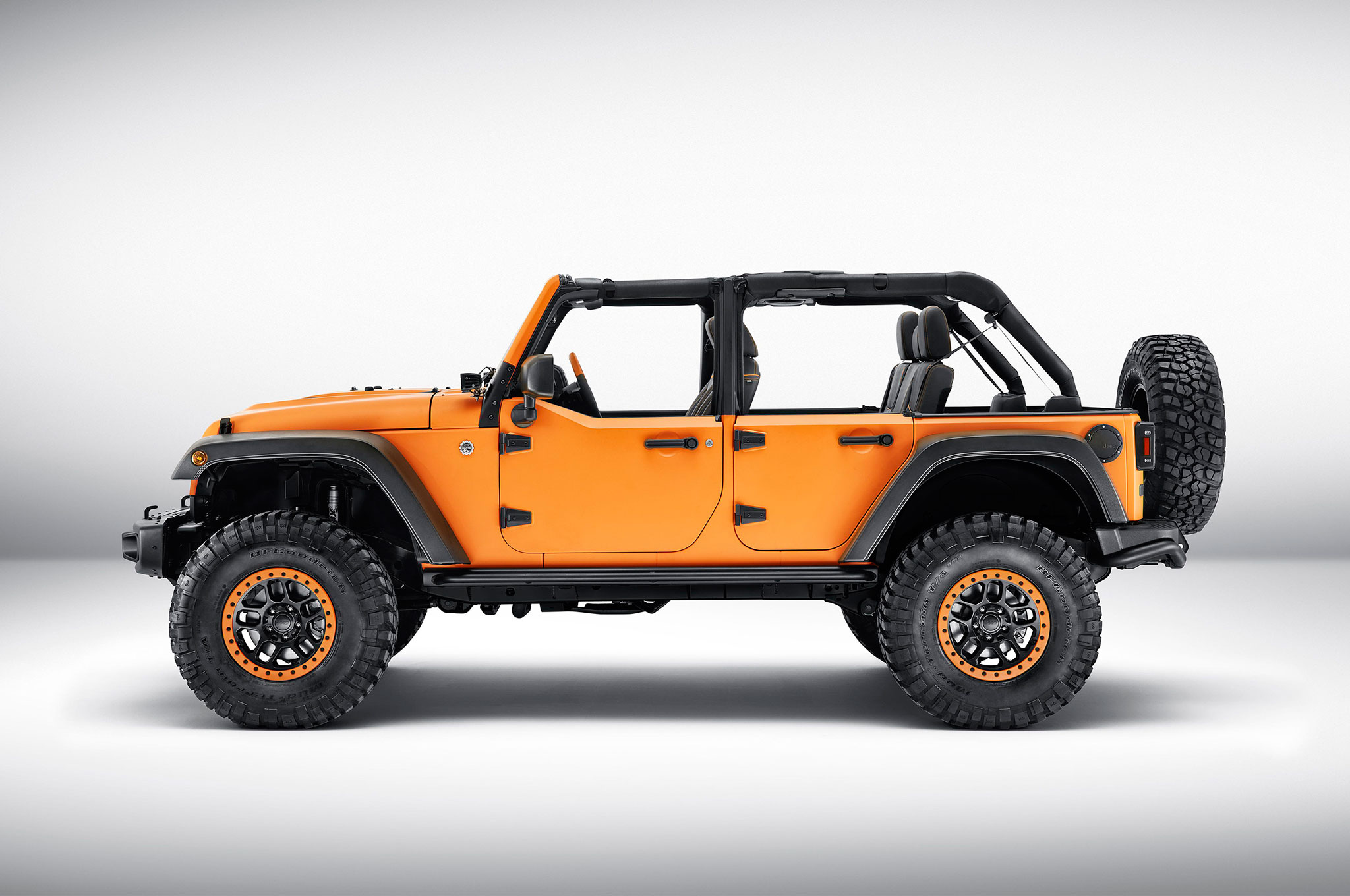 2015 Jeep Wrangler Inside >> Mopar-Tuned Jeep Cherokee, Wrangler, and Renegade Debut in Frankfurt