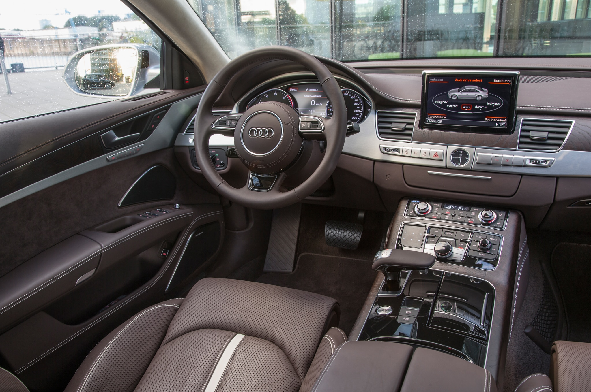 2016 audi a8 l gains 4 0t sport model with extra power visual tweaks. Black Bedroom Furniture Sets. Home Design Ideas