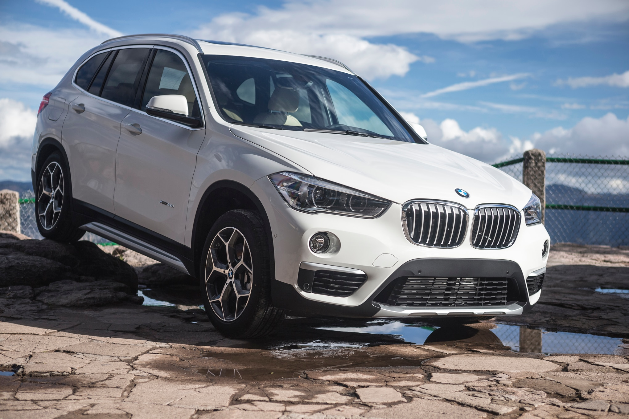 2016 bmw x1 xdrive28i review. Black Bedroom Furniture Sets. Home Design Ideas
