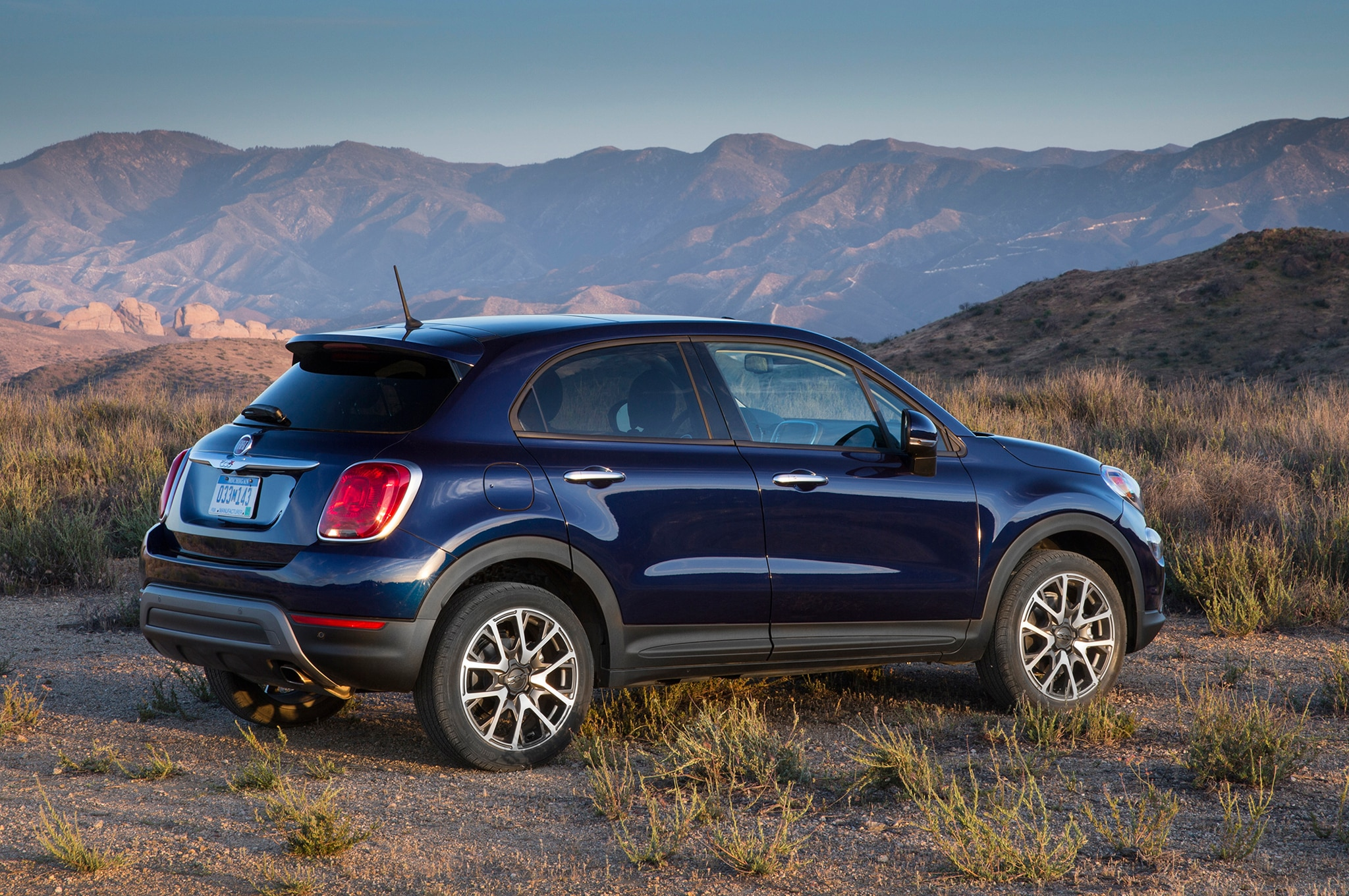 2016 fiat 500x earns iihs top safety pick plus rating. Black Bedroom Furniture Sets. Home Design Ideas