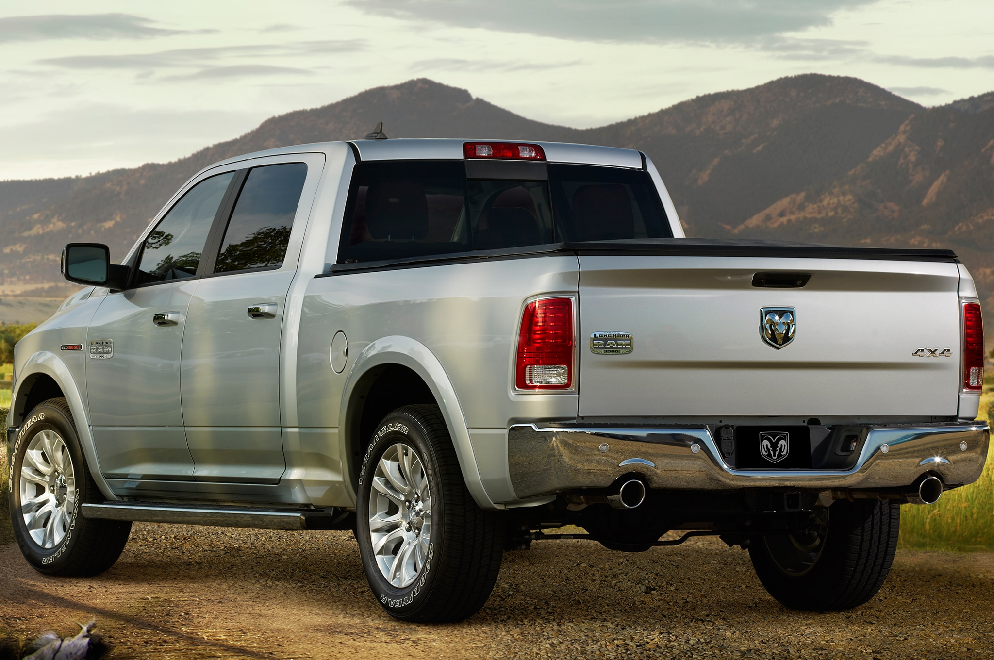 report full size ram suv under consideration to fight tahoe suburban. Black Bedroom Furniture Sets. Home Design Ideas