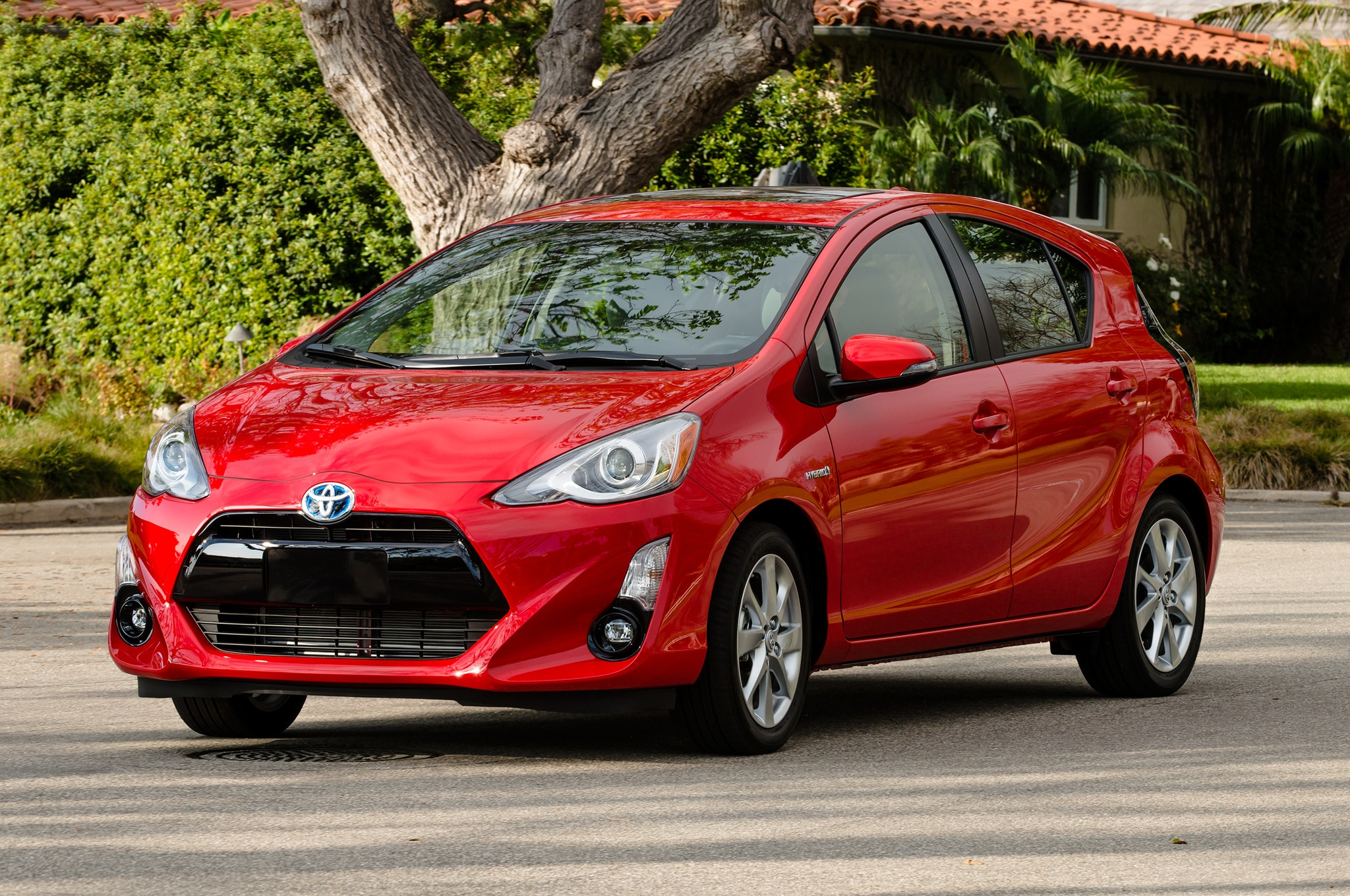 2016 toyota prius c adds persona series special edition. Black Bedroom Furniture Sets. Home Design Ideas