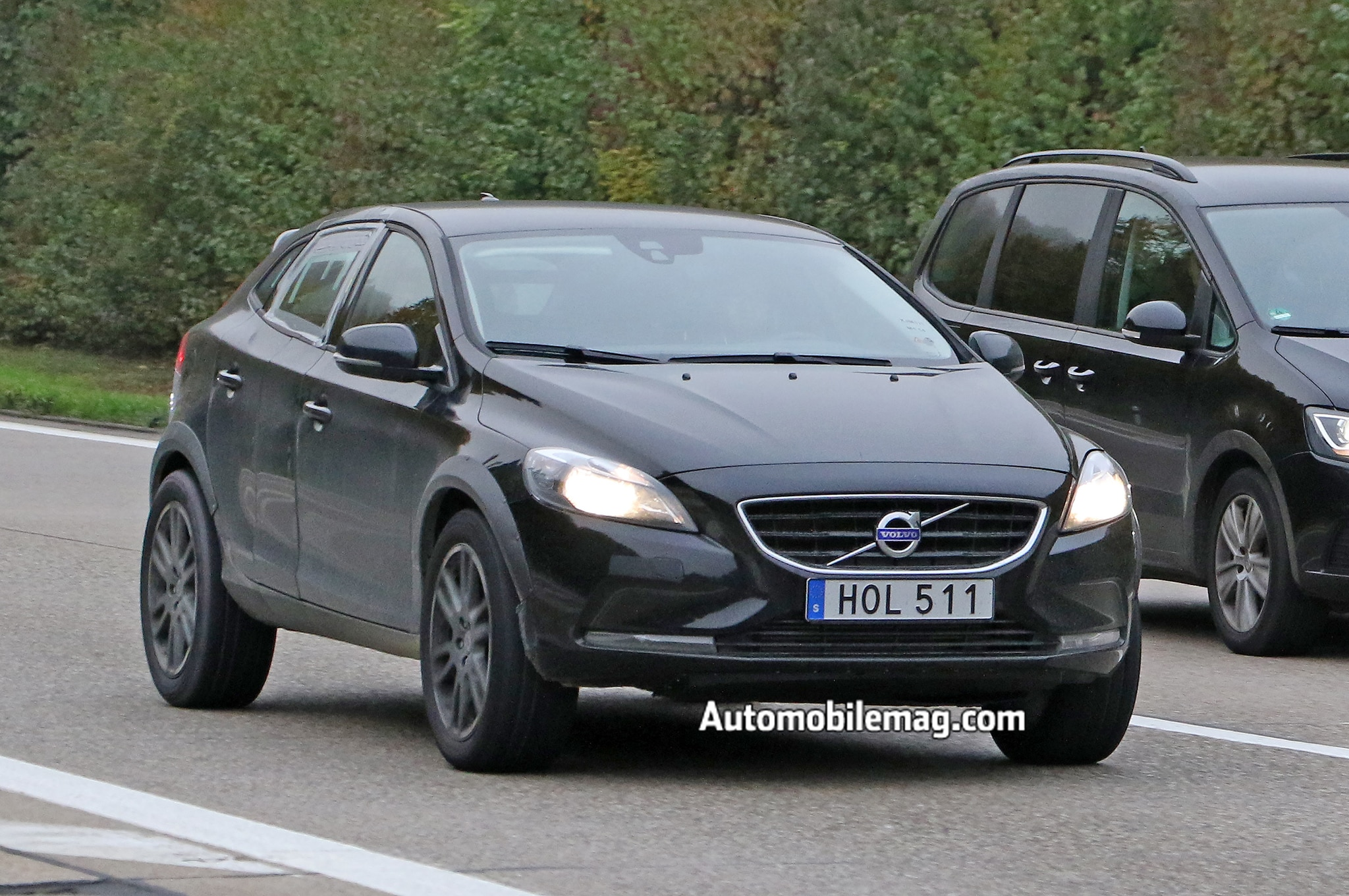 volvo xc40 compact crossover spied testing in prototype form. Black Bedroom Furniture Sets. Home Design Ideas