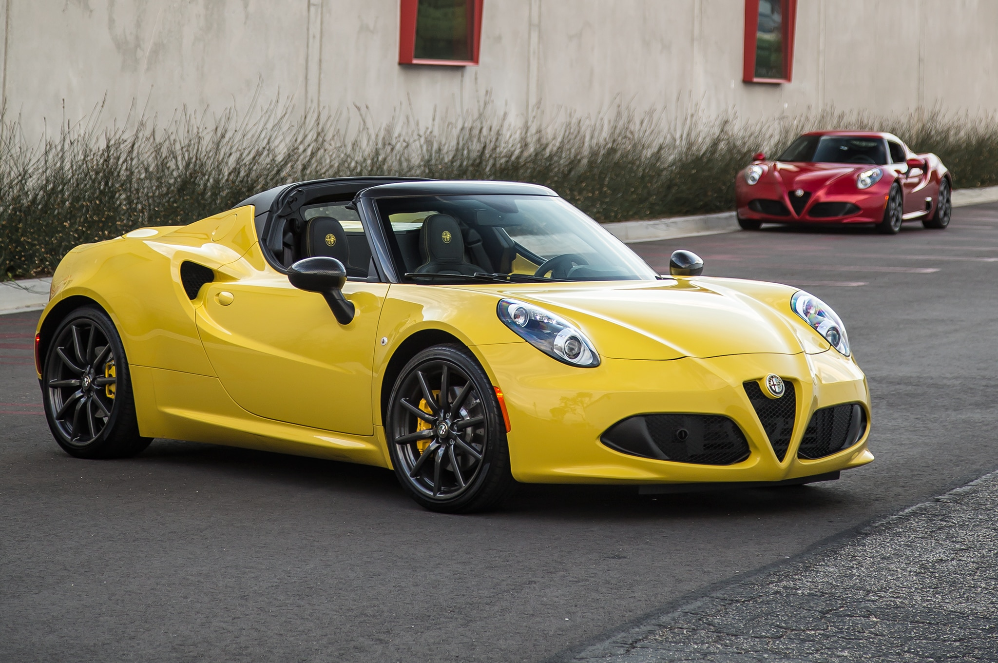 2015 alfa romeo 4c spider open top swap. Black Bedroom Furniture Sets. Home Design Ideas