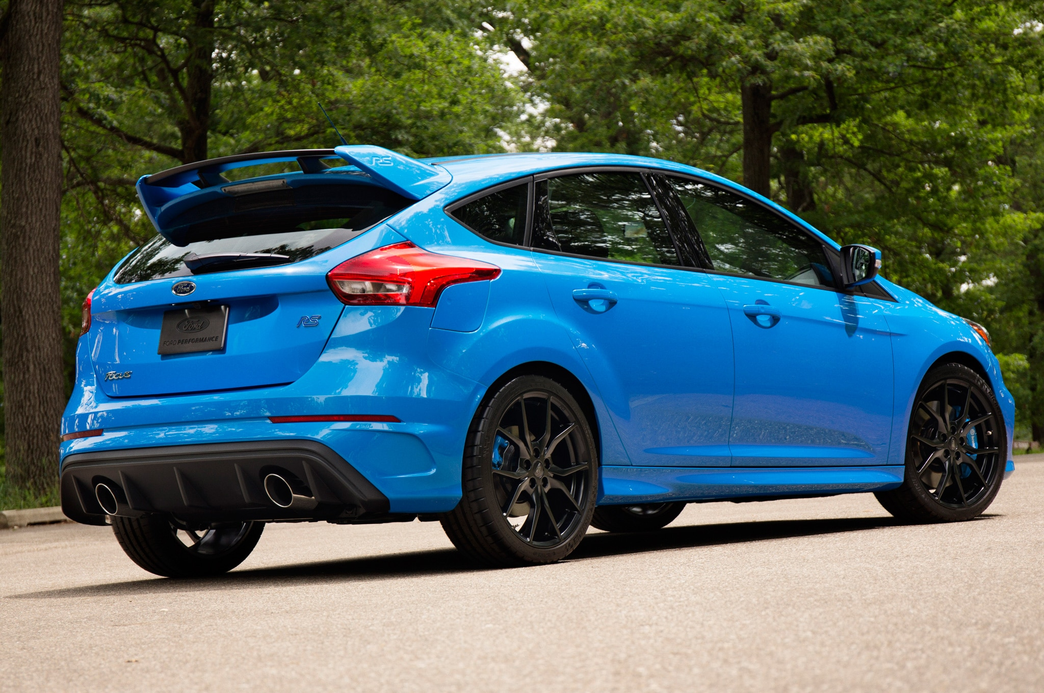 watch us go for hot laps in the 2016 ford focus rs. Black Bedroom Furniture Sets. Home Design Ideas