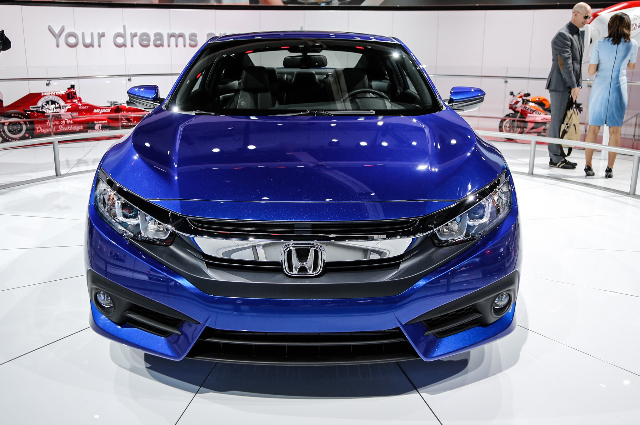 2016 honda civic coupe debuts with sportier styling roomier interior. Black Bedroom Furniture Sets. Home Design Ideas