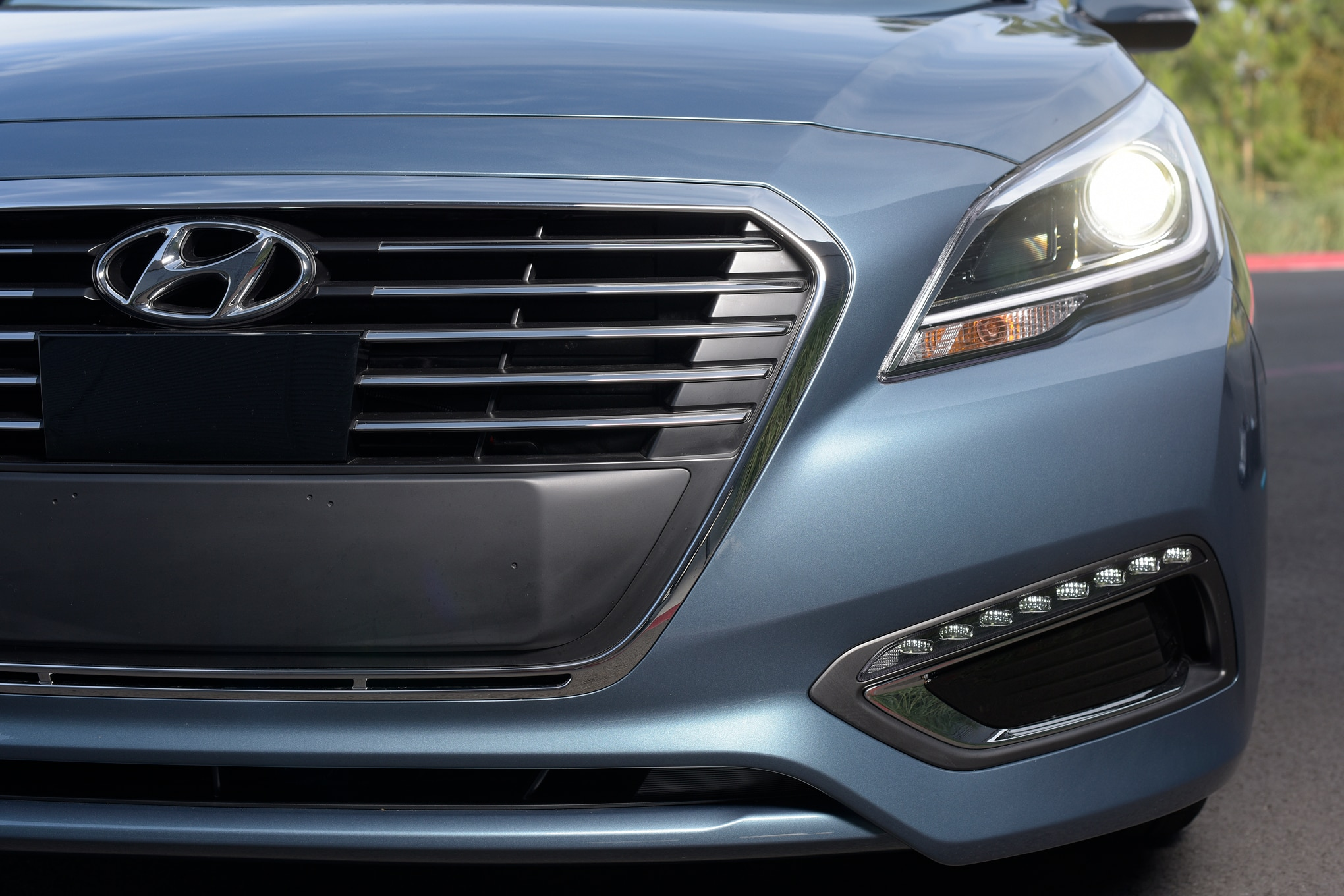 2016 Hyundai Sonata Hybrid Front Grille
