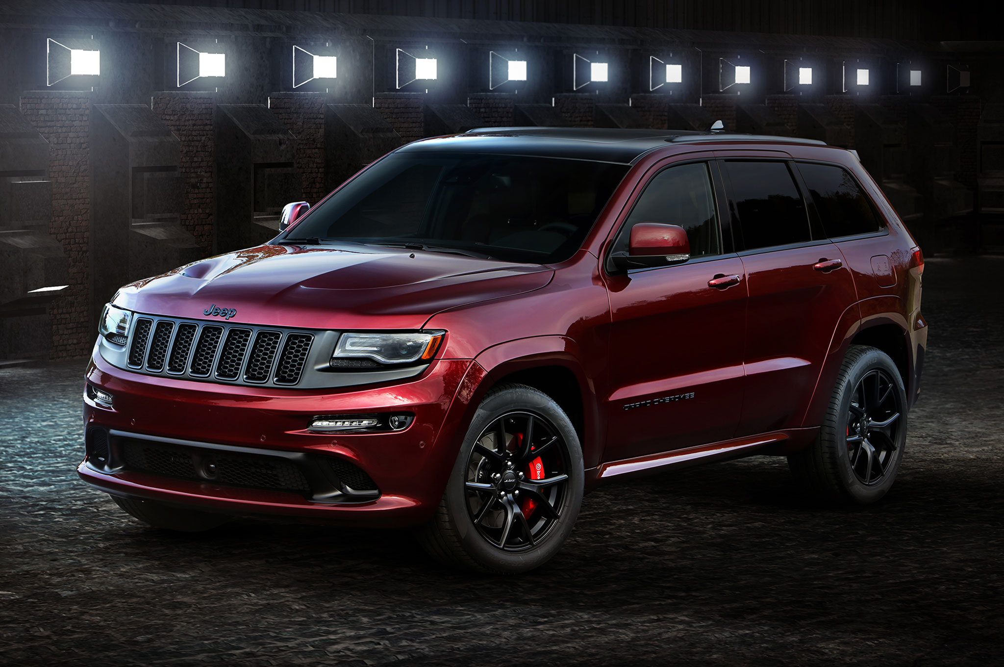 Jeep Wrangler Backcountry, Grand Cherokee SRT Night Headed