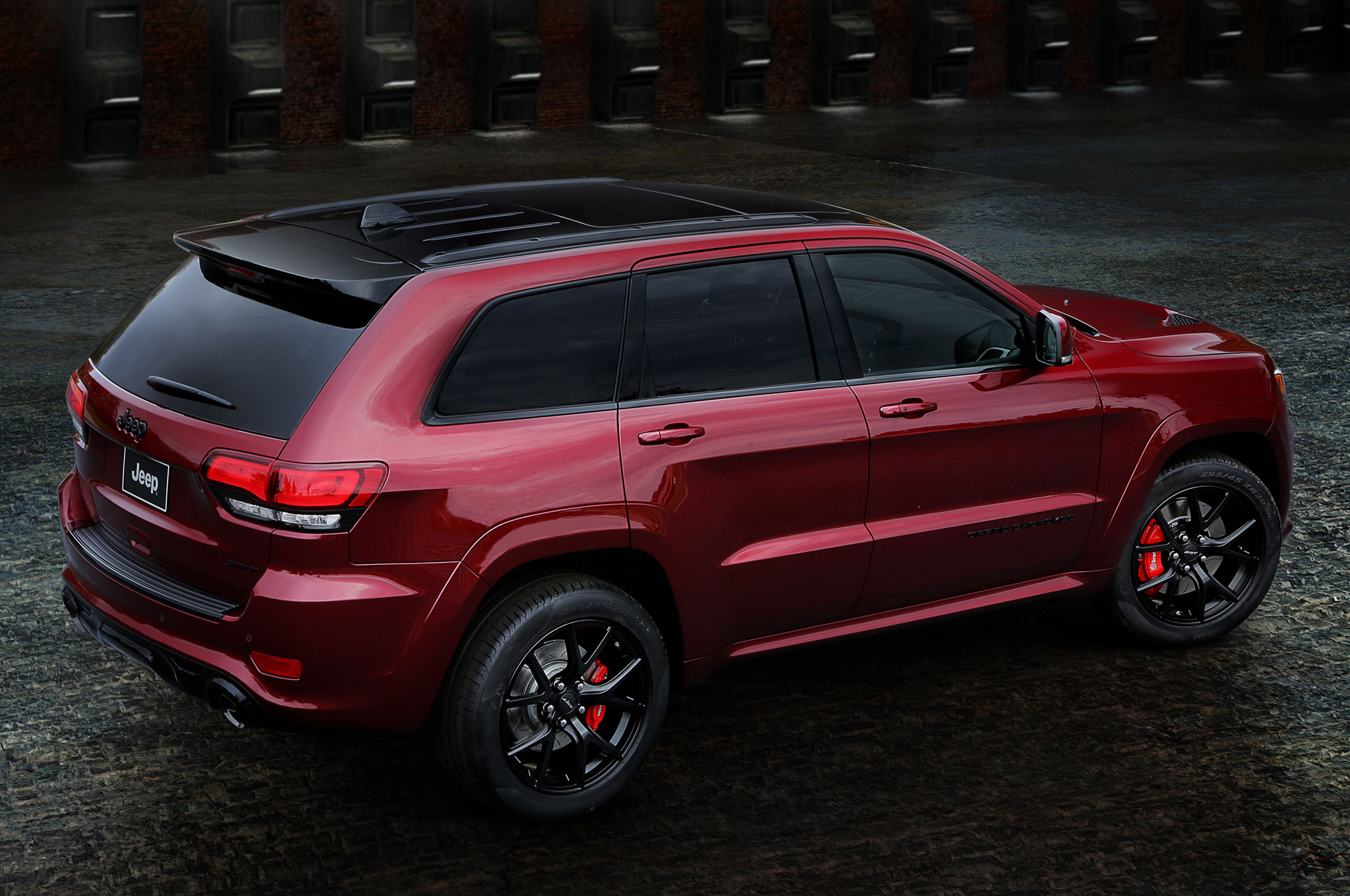 jeep grand cherokee trackhawk coming july 2017
