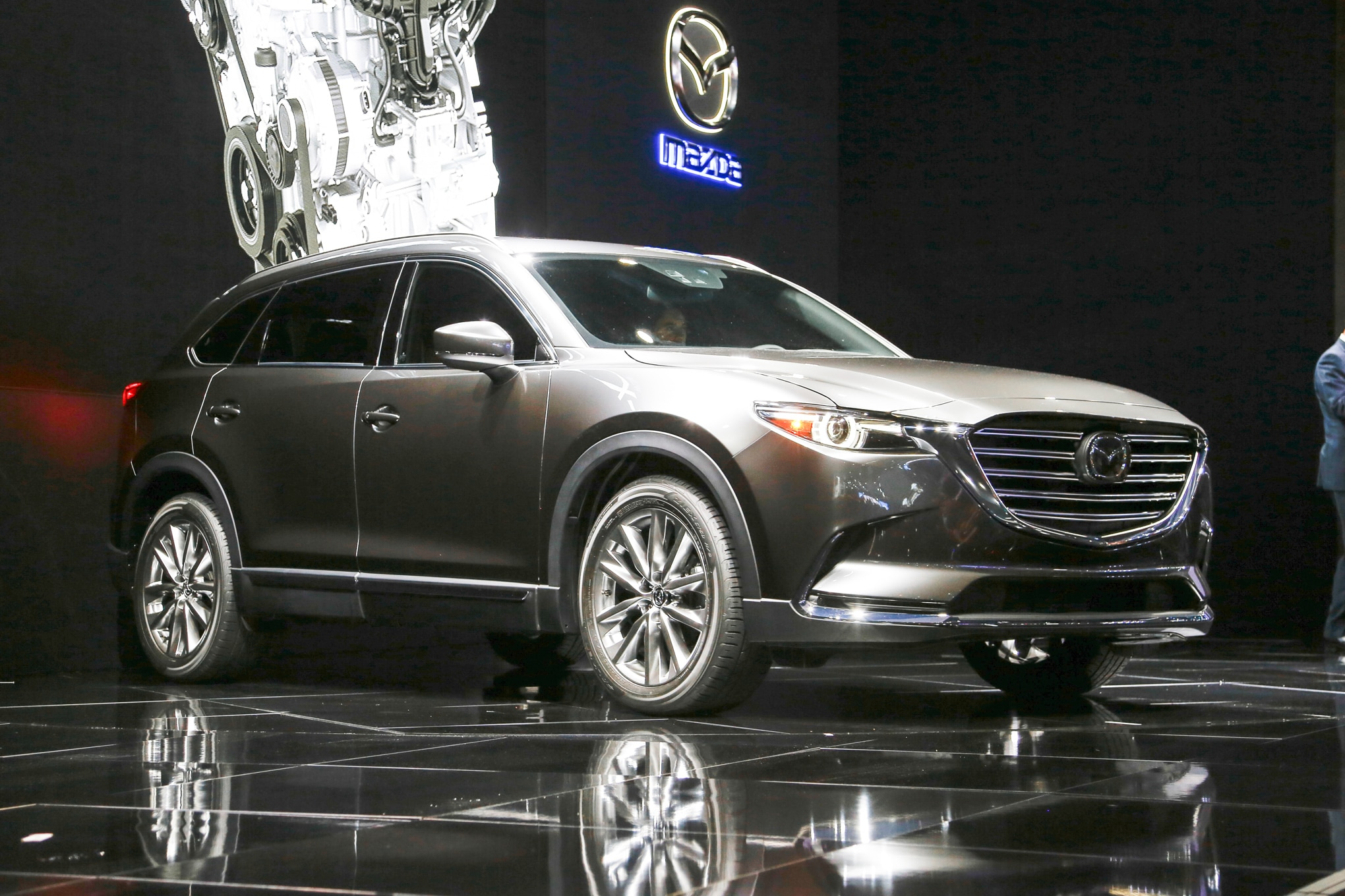 2016 mazda cx 9 hits l a show with fresh design new turbo engine. Black Bedroom Furniture Sets. Home Design Ideas
