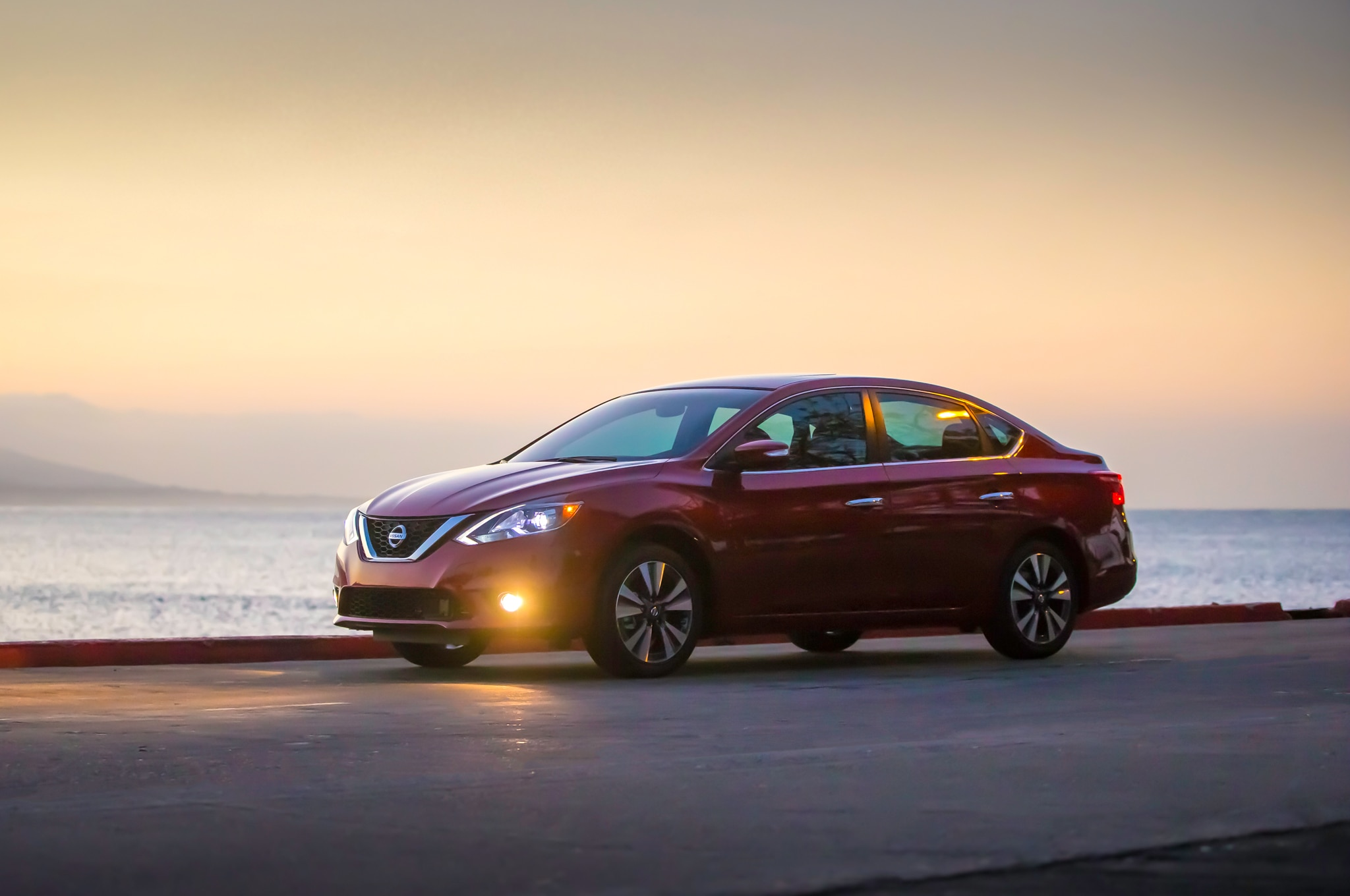 2016 Nissan Altima 2 5 Sr >> 2016 Nissan Sentra Refreshed, Looks More like Altima and ...