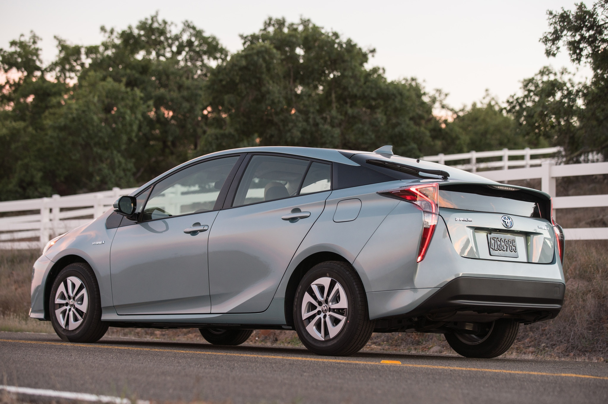 2016 Toyota Prius Four Touring Review