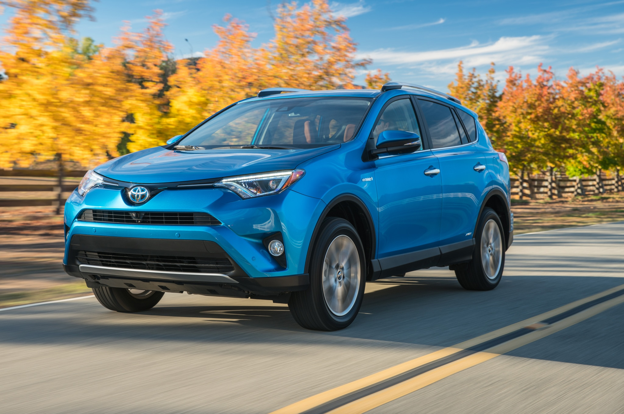 2016 toyota rav4 hybrid limited review. Black Bedroom Furniture Sets. Home Design Ideas
