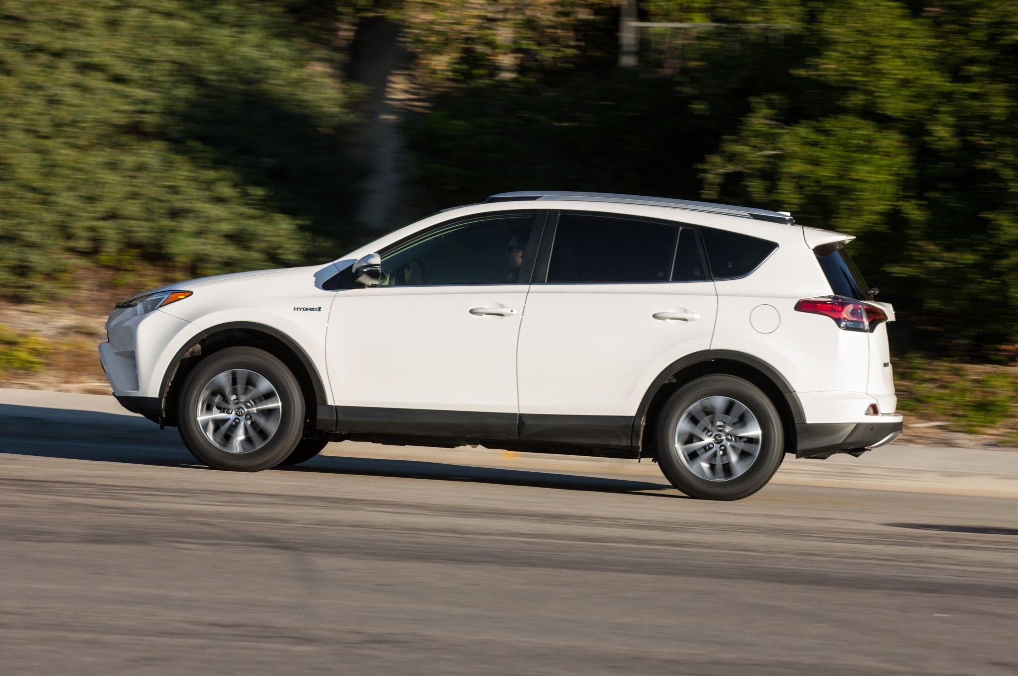 2016 toyota rav4 hybrid limited review
