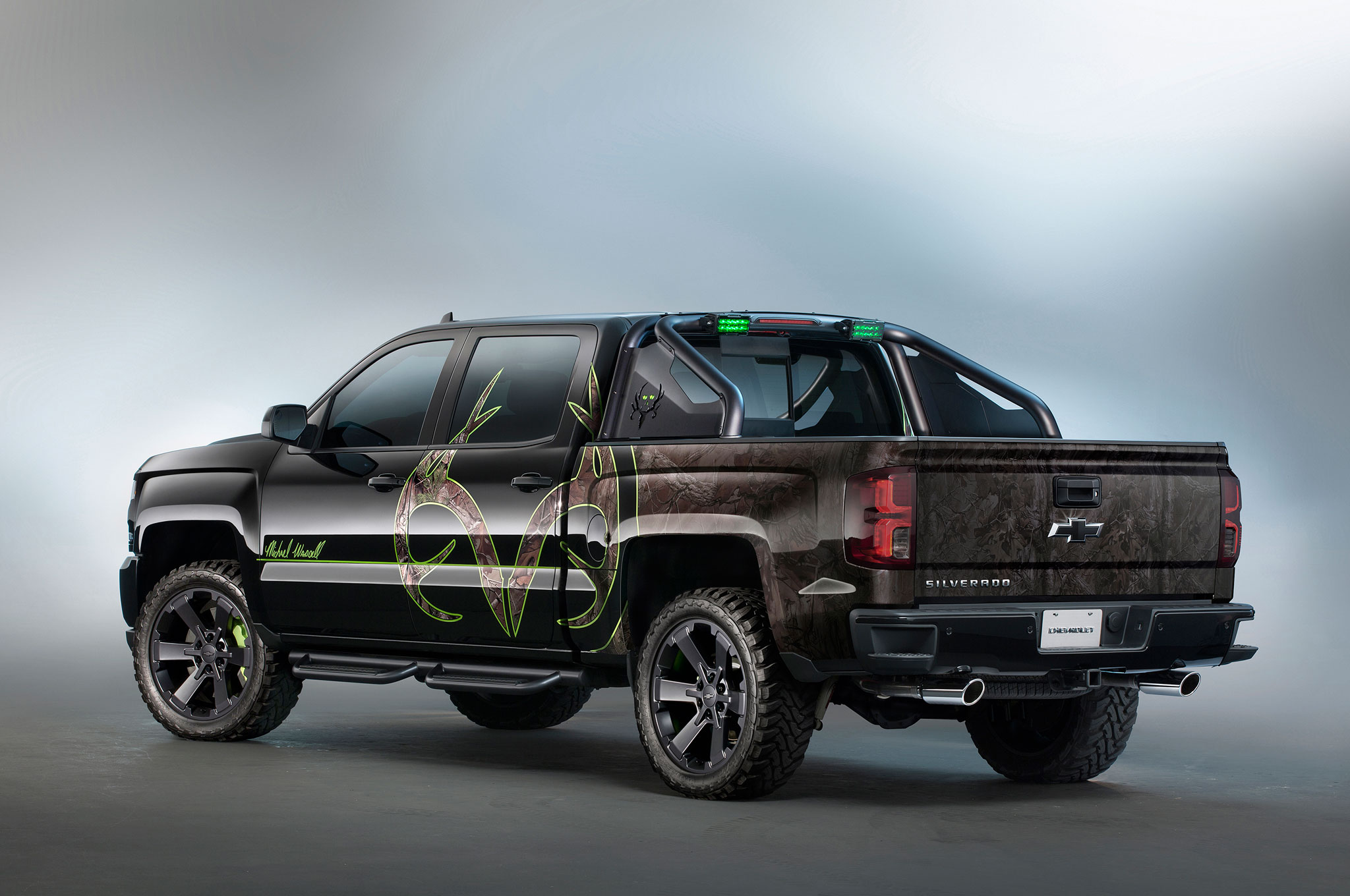 chevrolet silverado kid rock special ops concepts unveiled at sema. Black Bedroom Furniture Sets. Home Design Ideas