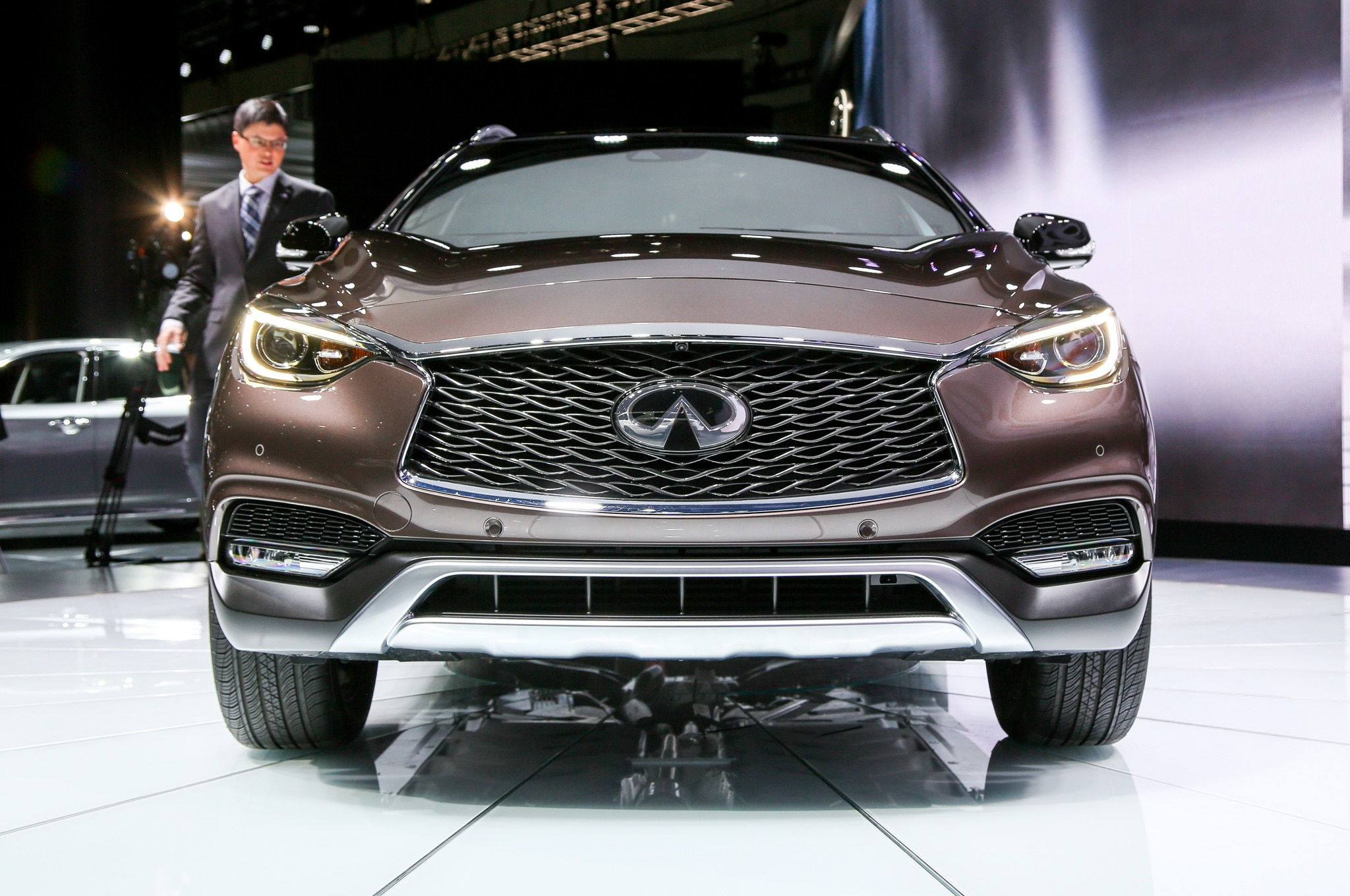 2017 infiniti qx30 luxury crossover debuts at l a auto show. Black Bedroom Furniture Sets. Home Design Ideas