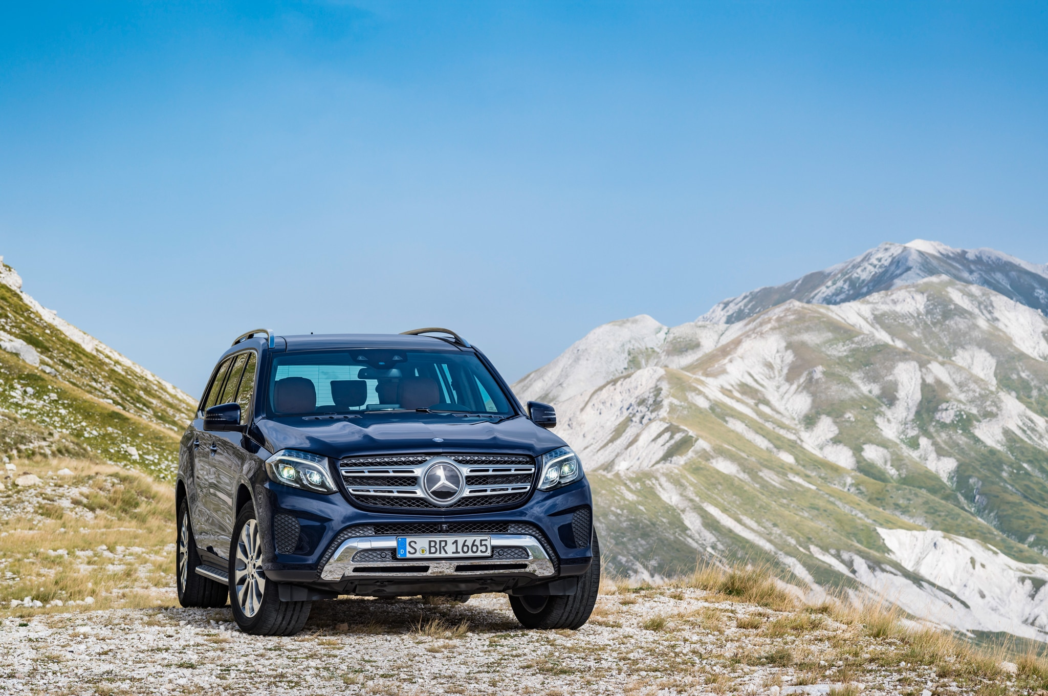 2017 mercedes benz gls replaces gl adds nine speed for 2017 mercedes benz gls350d 4matic