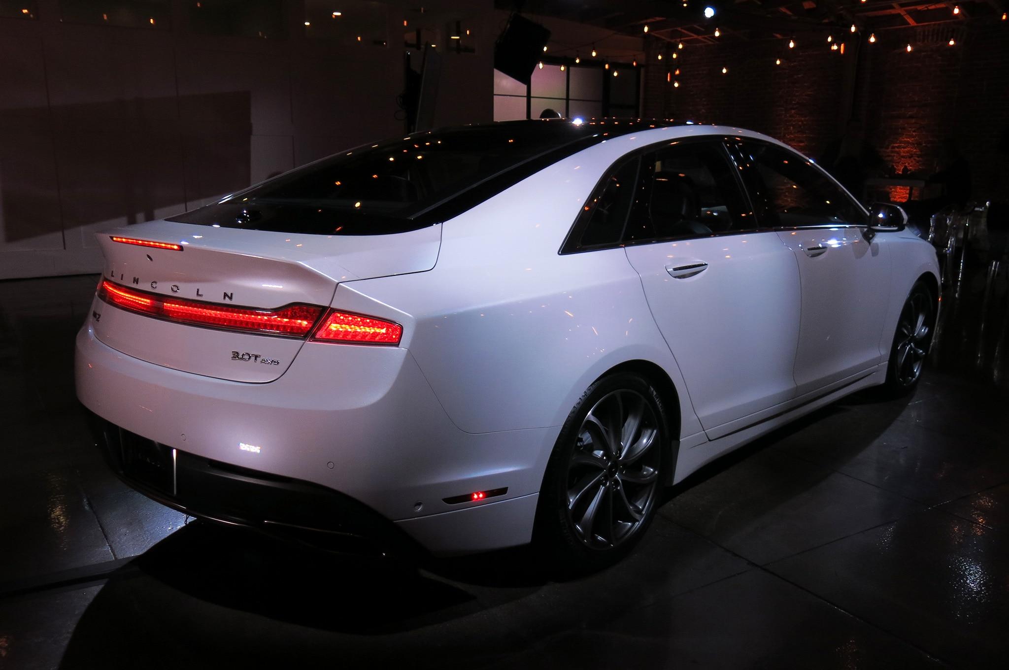 http://st.automobilemag.com/uploads/sites/11/2015/11/2017-lincoln-mkz-reveal-rear-three-quarters-02.jpg