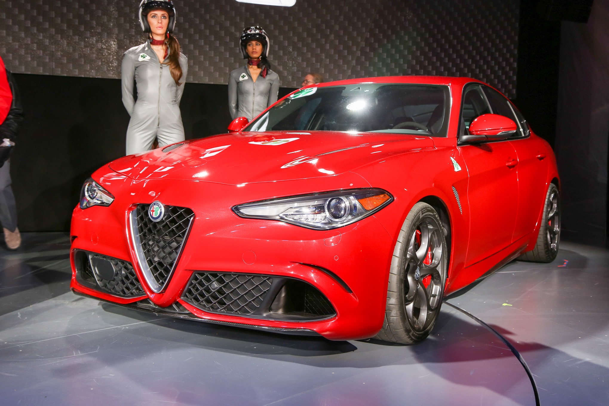 2017 alfa romeo giulia arrives in the u s in mid 2016. Black Bedroom Furniture Sets. Home Design Ideas