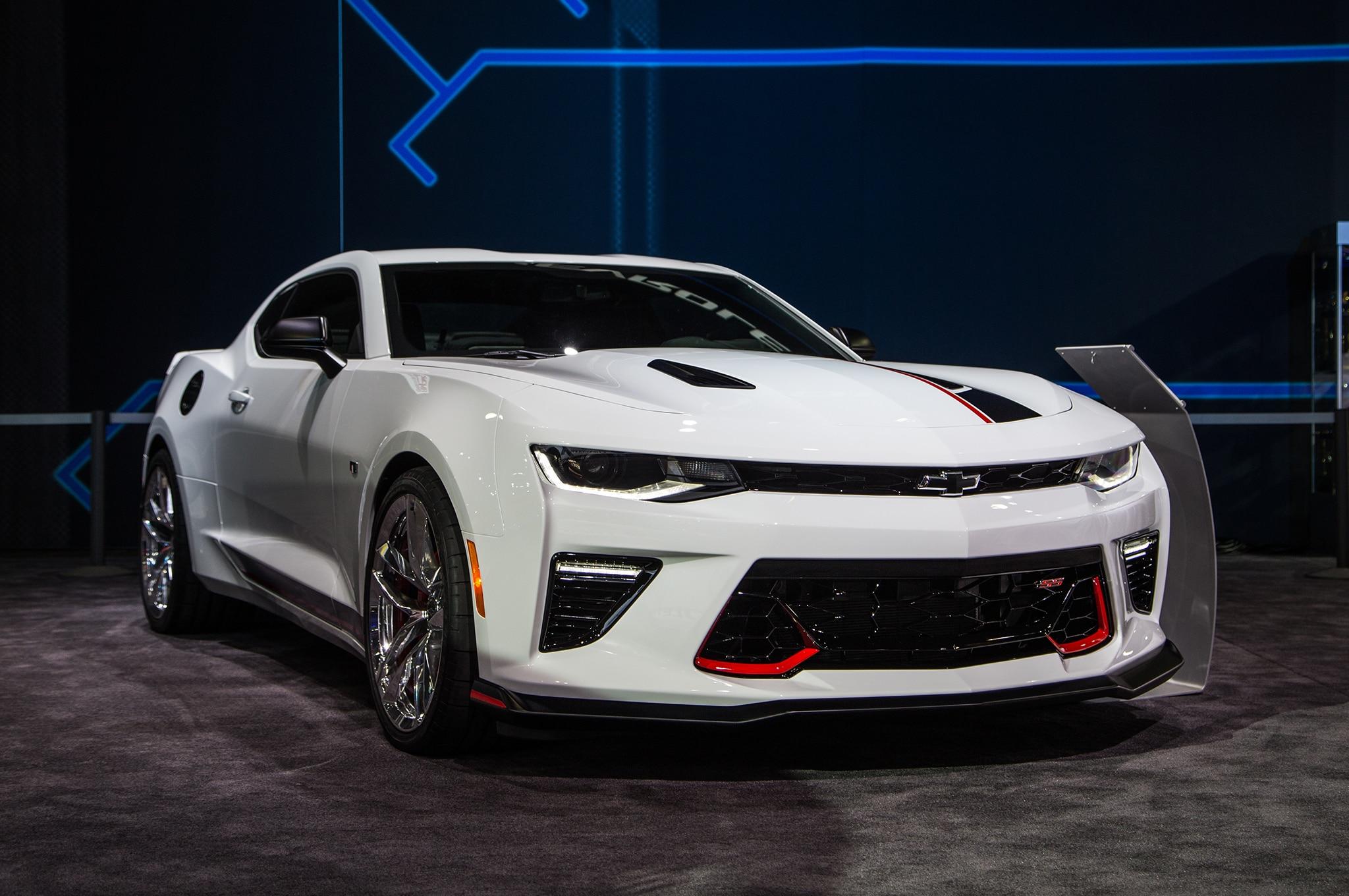 132 - Chevrolet Performance Camaro V 6 And V 8 Concepts