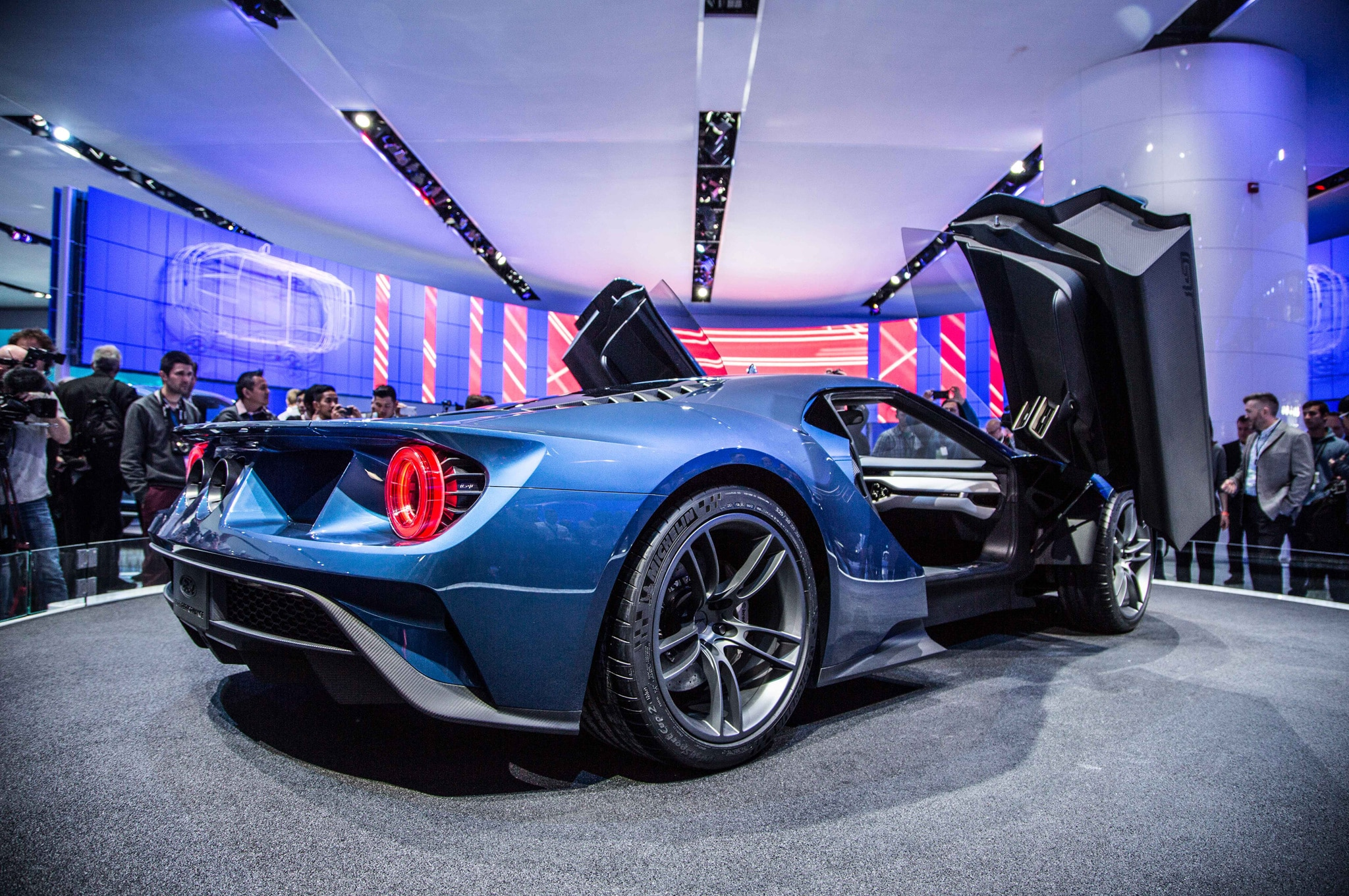 ford gt at 2015 detroit auto show rear three quarter 3160 ford gt at 2015 detroit auto show interior view - Ford Gt40 2015 Interior
