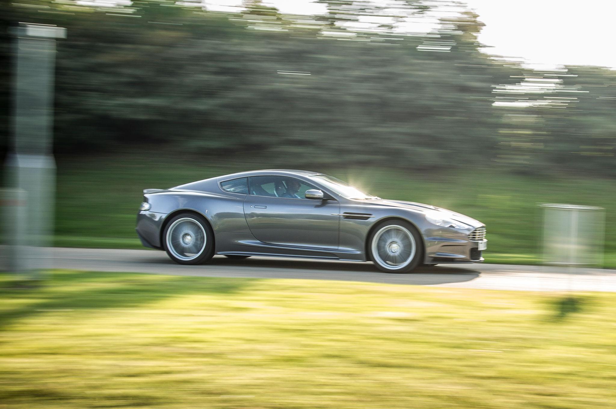 Bulletproof Driving James Bond S Aston Martin Db5 Dbs